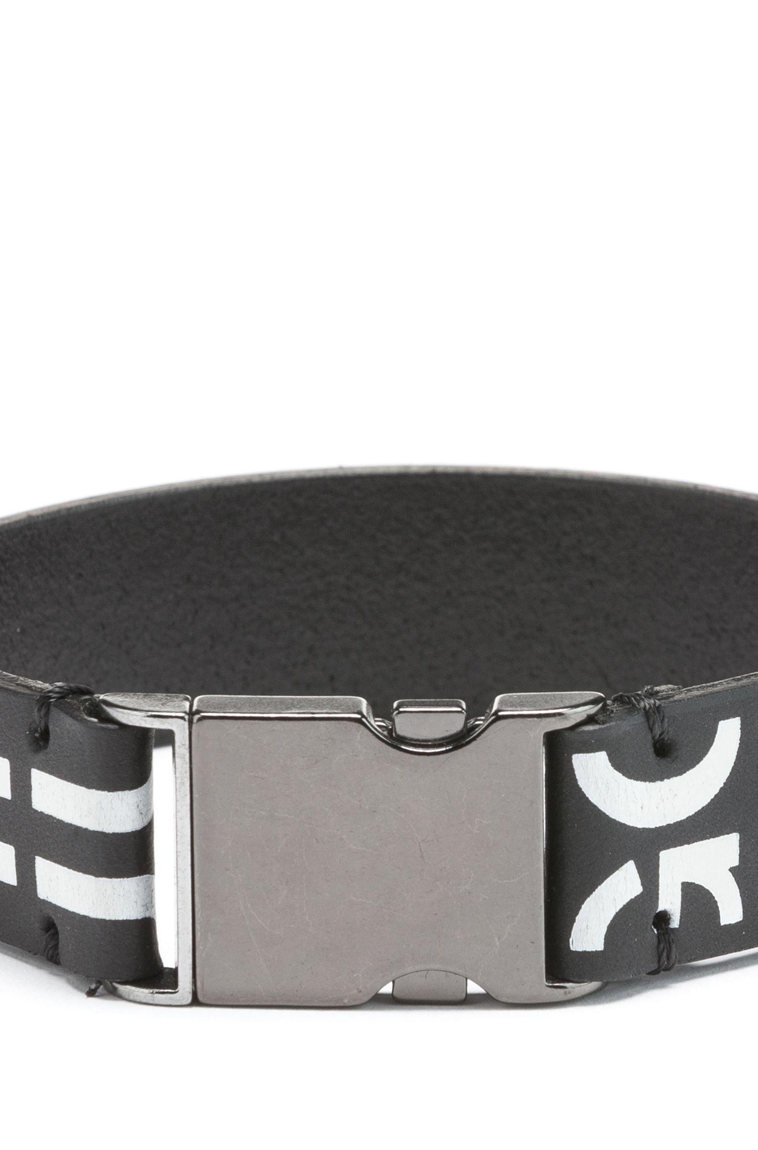 Armband aus italienischem Leder mit Schließe und abgeschnittenem Logo, Schwarz