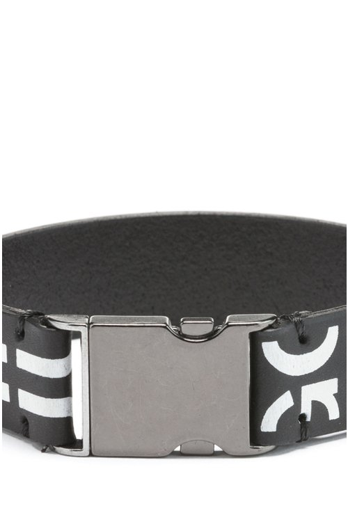 Hugo Boss - Buckle-closure bracelet in Italian leather with cropped logo - 3