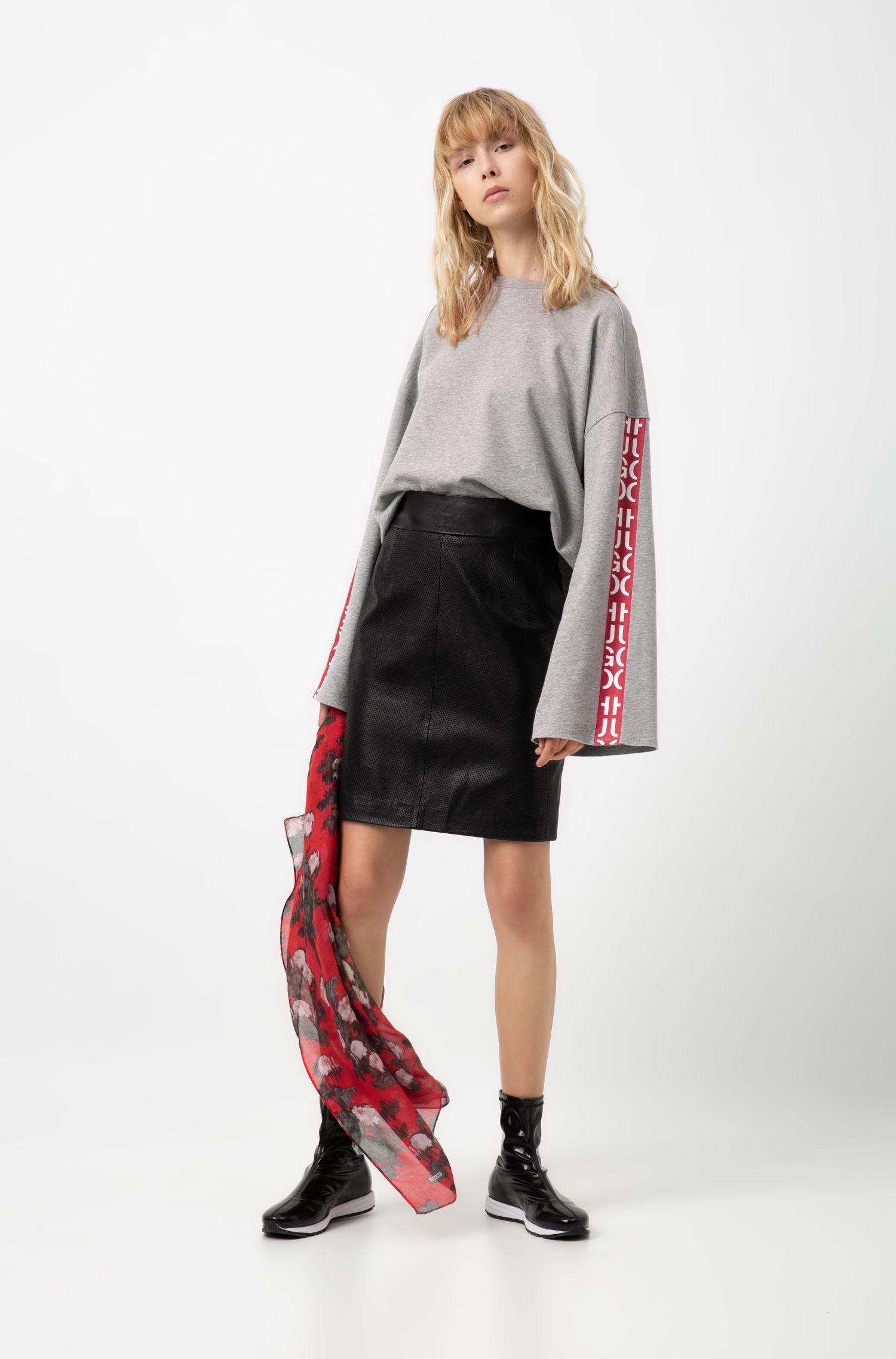 Sweatshirt aus Baumwolle in Cropped-Länge mit abstraktem Logo-Tape, Silber
