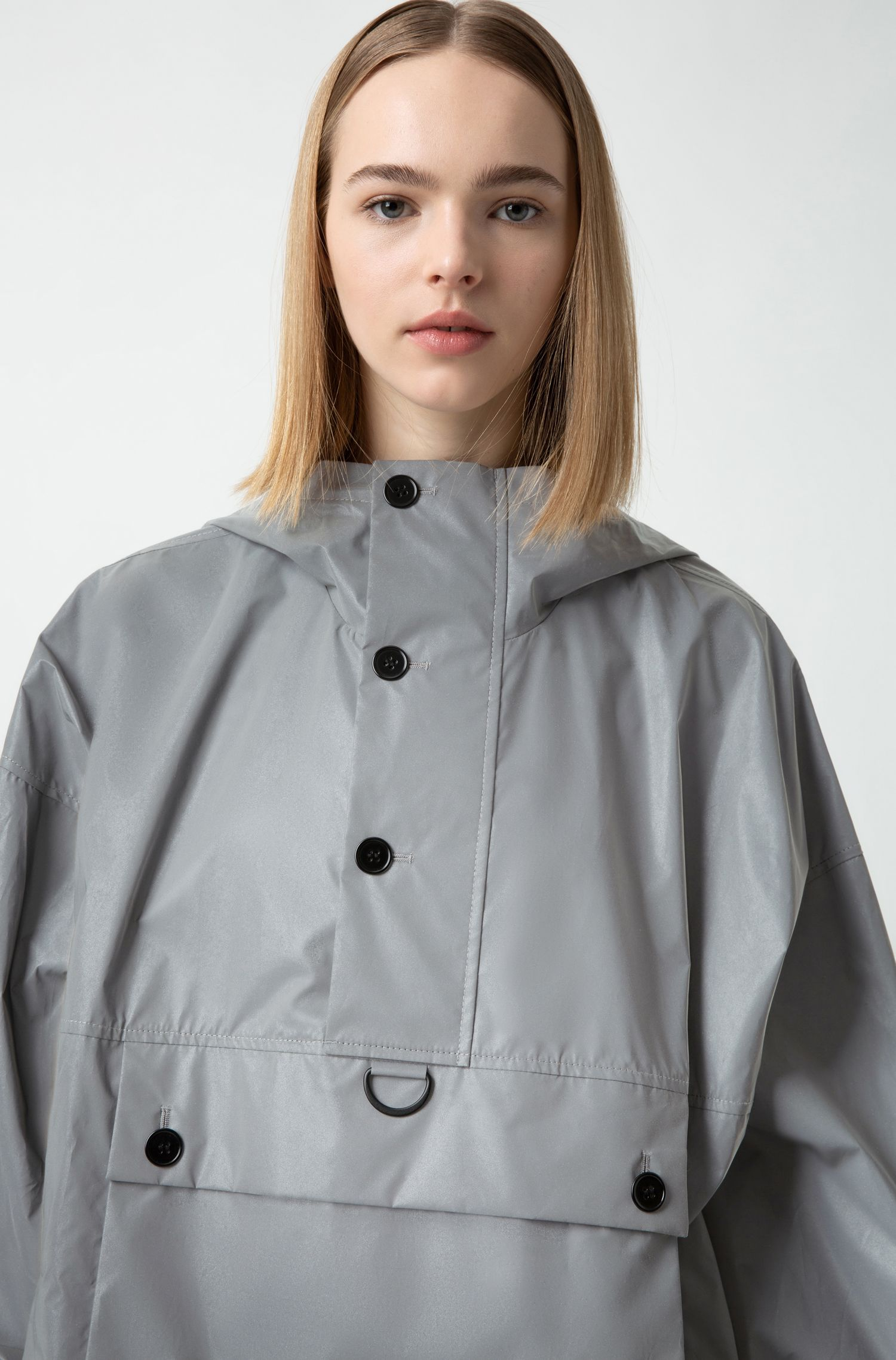 Unisex relaxed-fit windbreaker with reflective finish, Silver