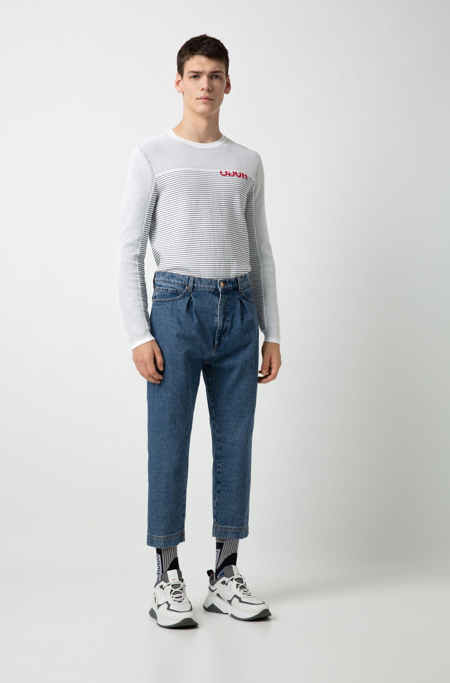 Hugo Boss - Relaxed-Fit Jeans in Cropped-Länge mit Bundfalten - 2