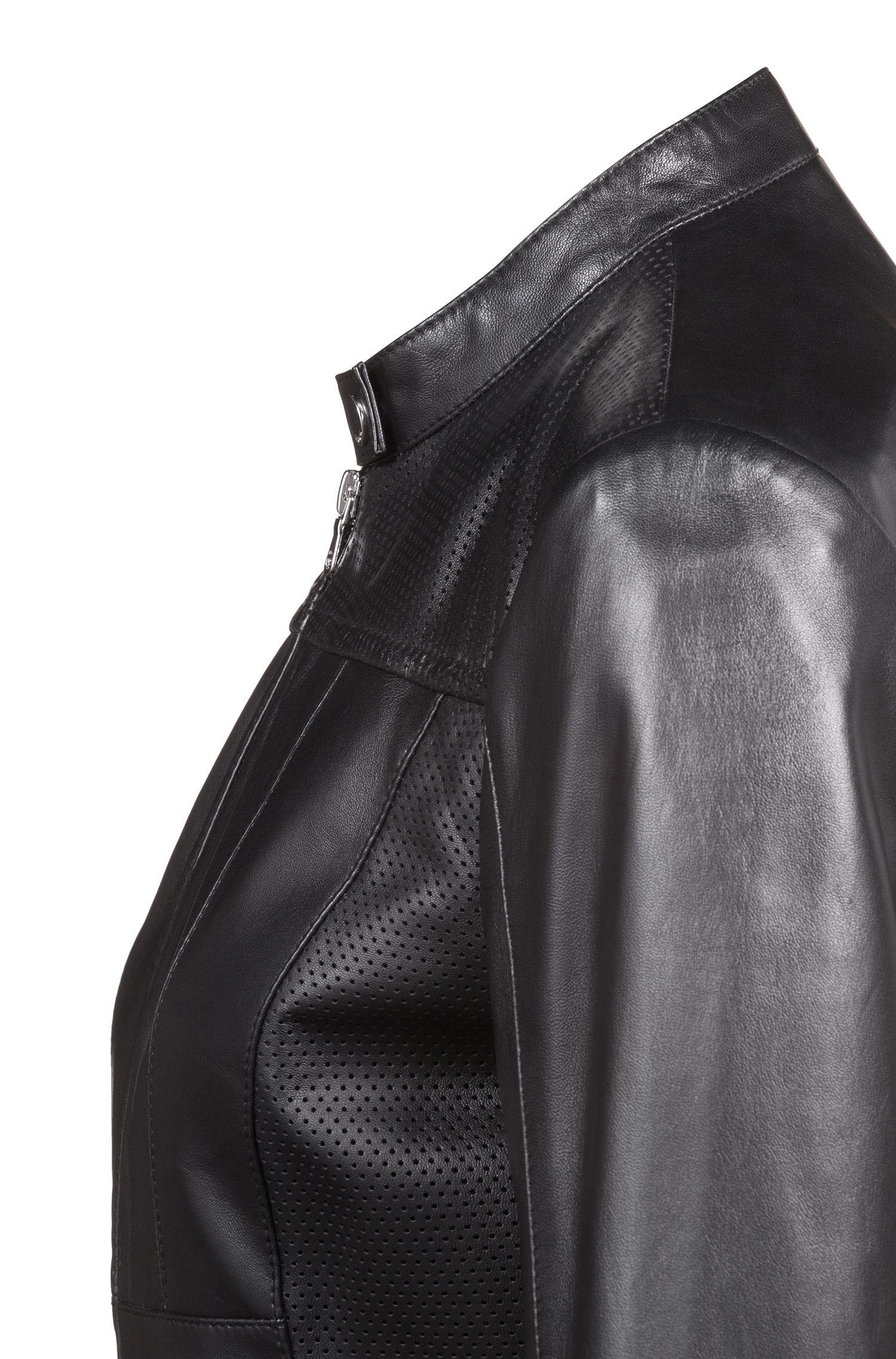Bikerjacke aus Leder mit perforierten Einsätzen, Schwarz
