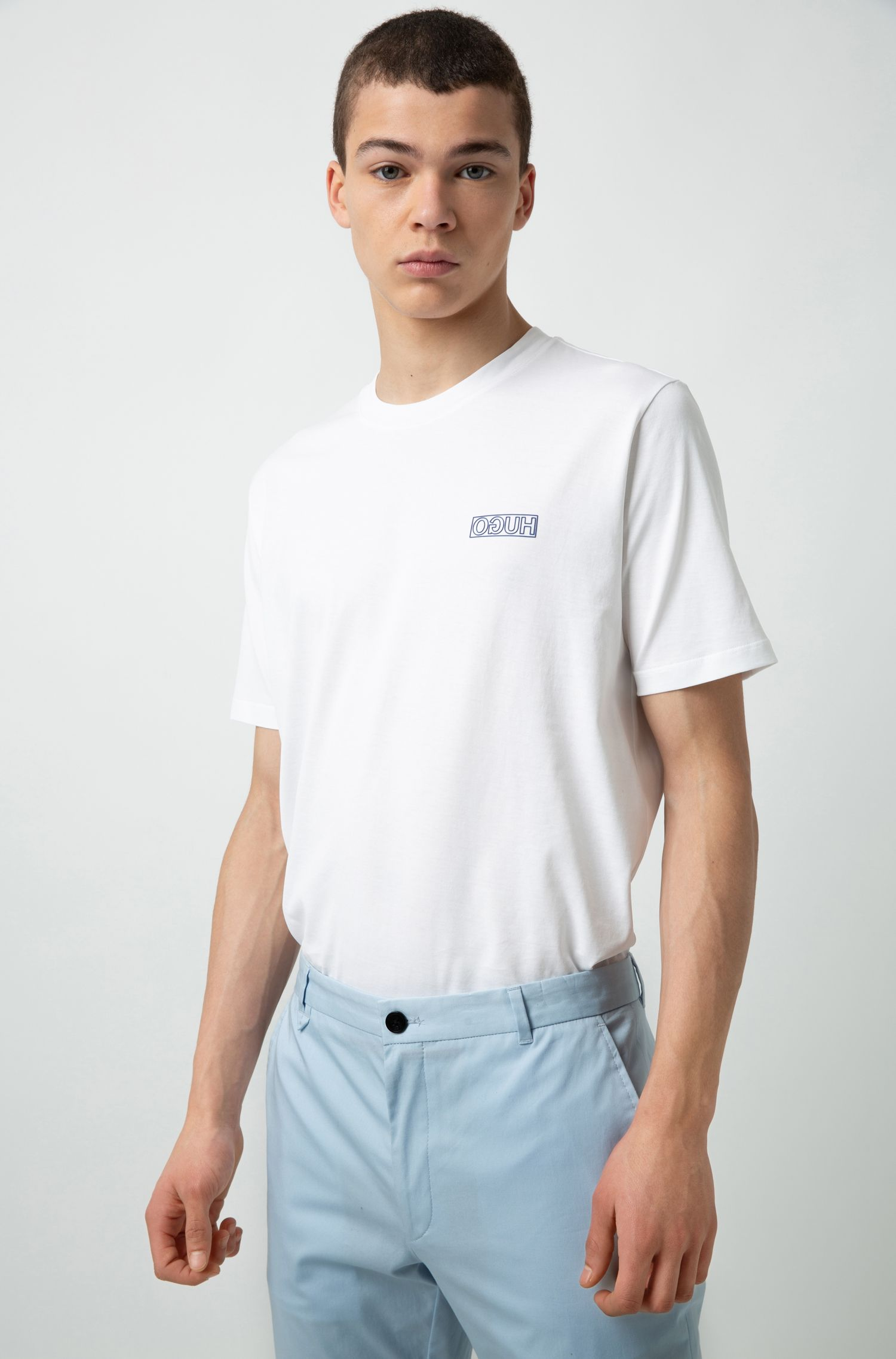 Camiseta de algodón con cuello redondo y logo tonal invertido, Blanco