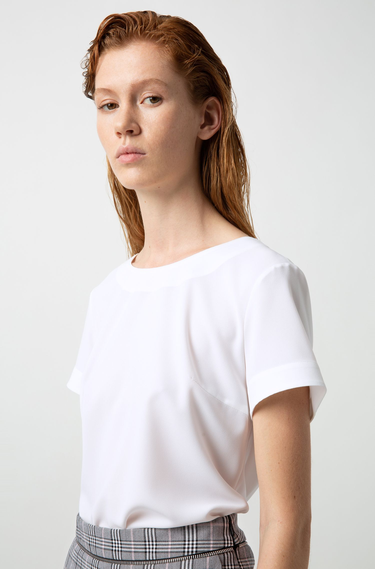 Short-sleeved top in stretch crinkle crepe, Natural