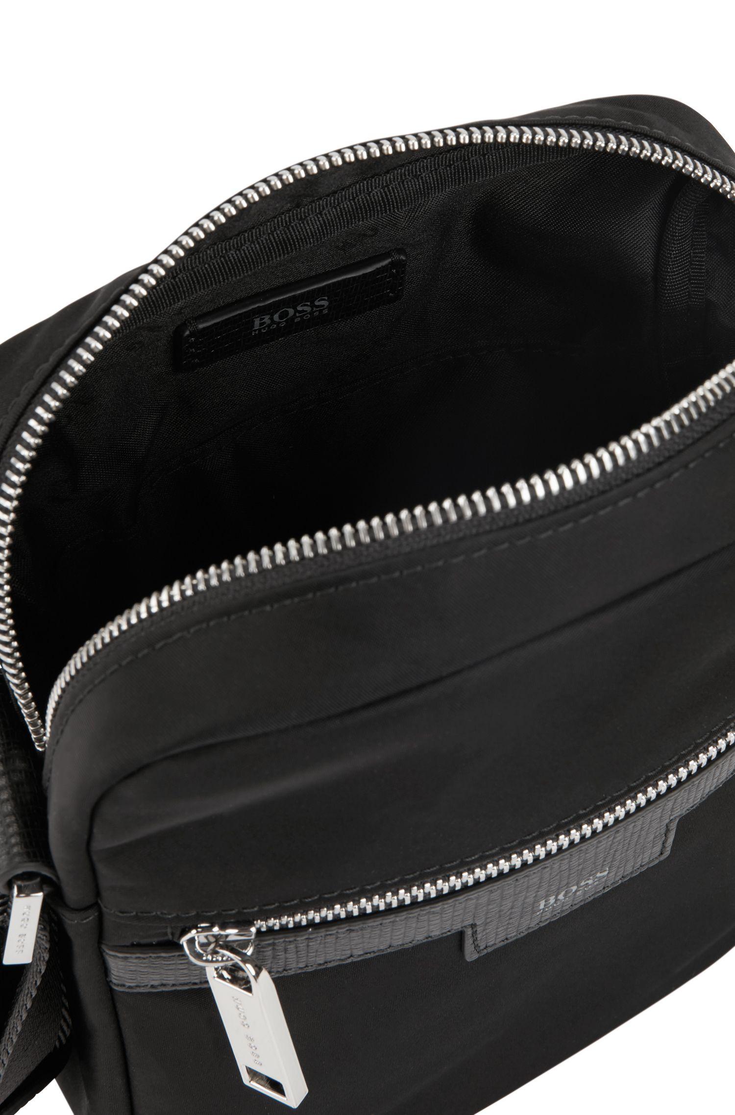 Sac porté croisé en gabardine de tissu technique avec finitions cuir, Noir