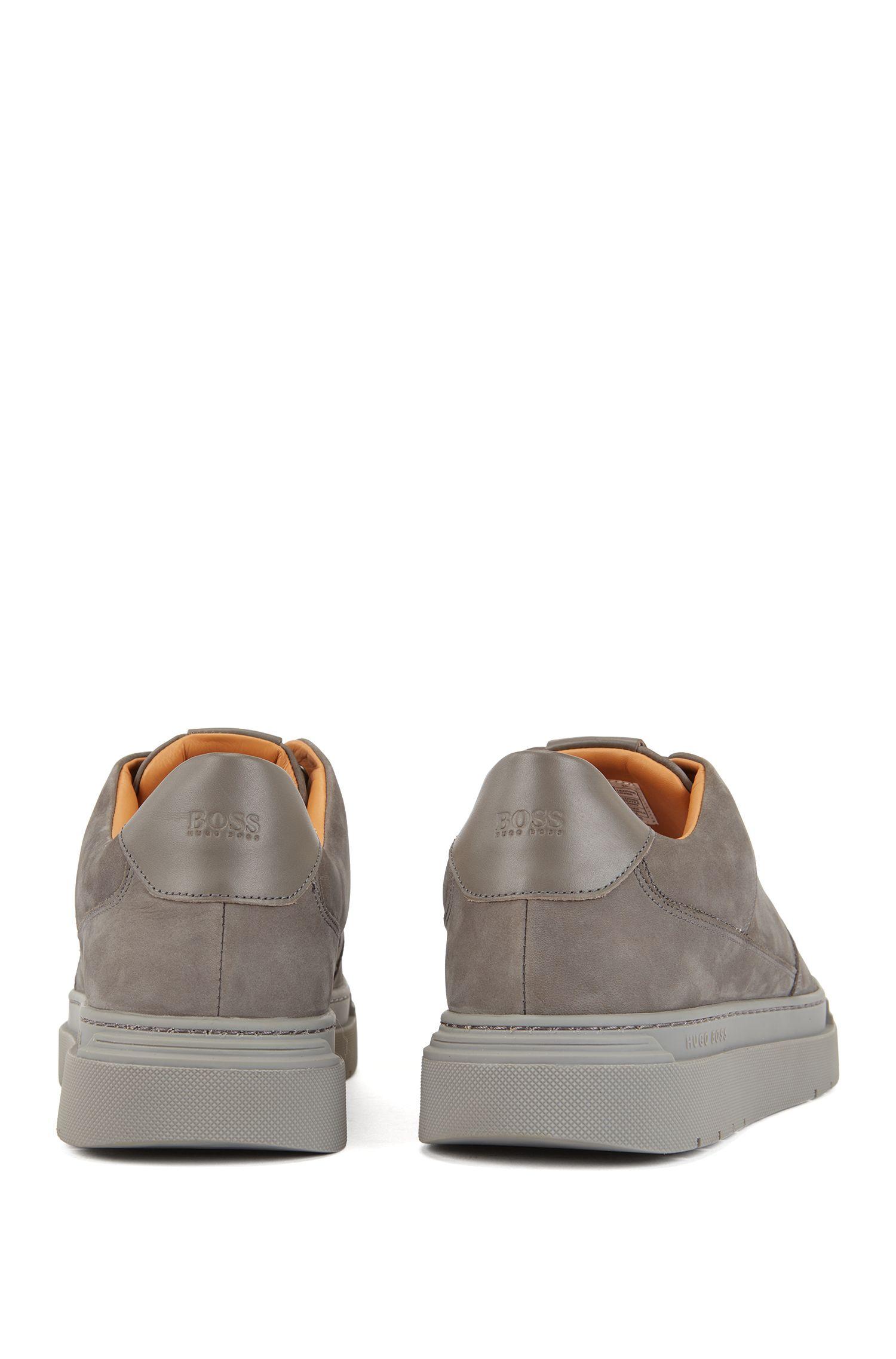Sneakers im Tennis-Stil aus Nubukleder, Dunkelgrau