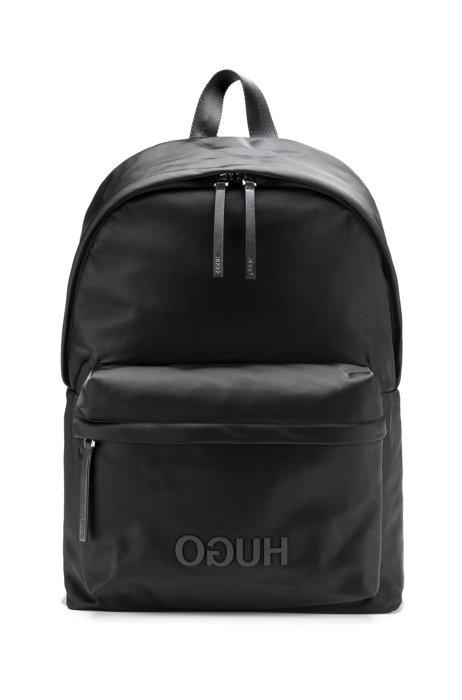 Rucksack aus strukturiertem Nylon mit Reversed-Logo und Griff, Schwarz