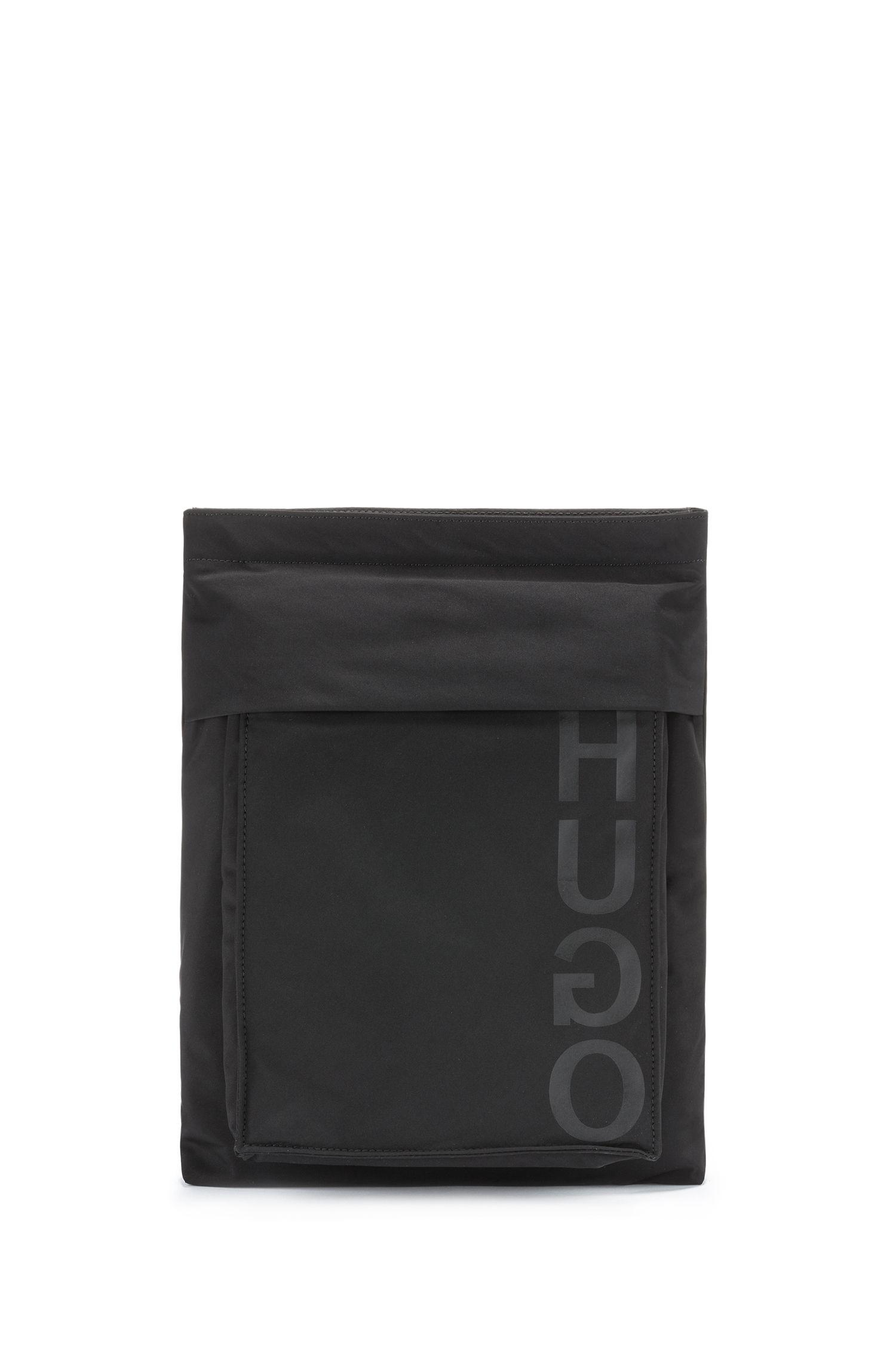 Reporter-Tasche aus Nylon mit abnehmbarem Frontfach und Schulterriemen, Schwarz