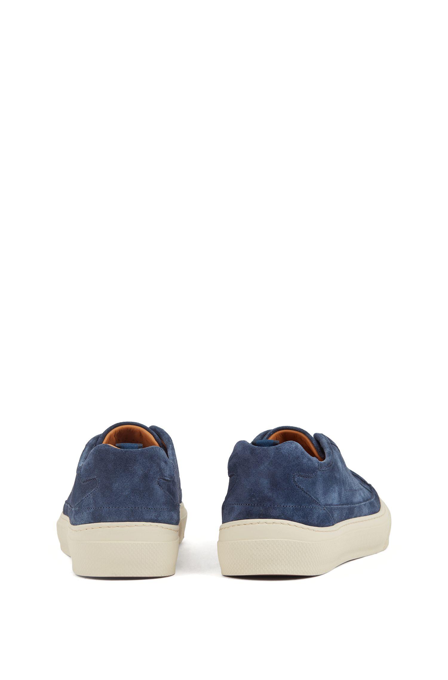 Sneakers ispirate al tennis in pelle scamosciata di vitello con suola monogrammata, Blu