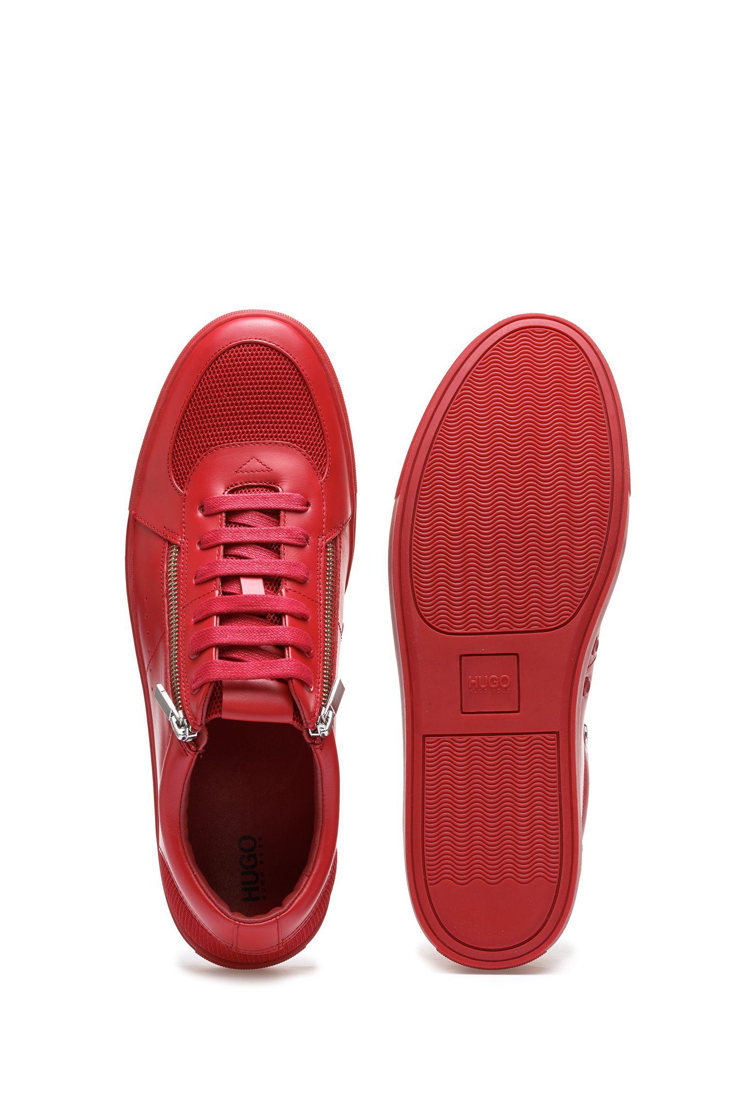 Baskets inspirées des chaussures de tennis en cuir de veau, avec fermetures éclair, Rouge