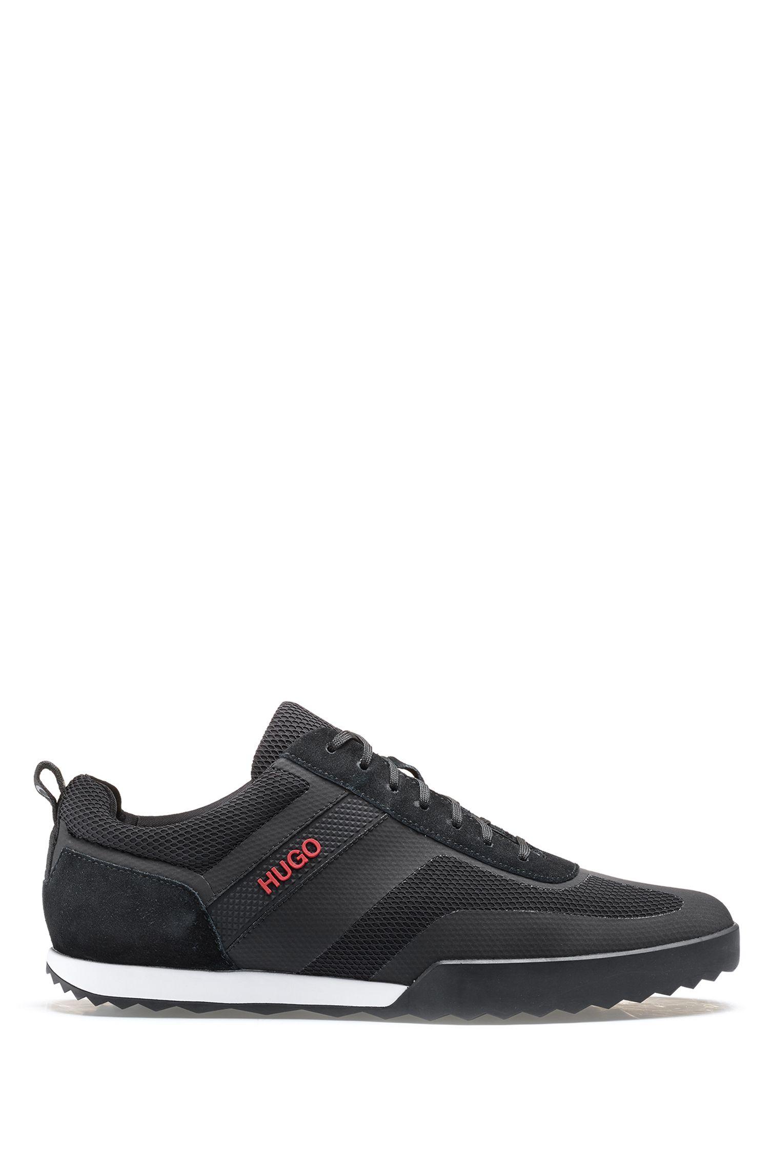 Sneakers aus Mesh und Veloursleder, Schwarz