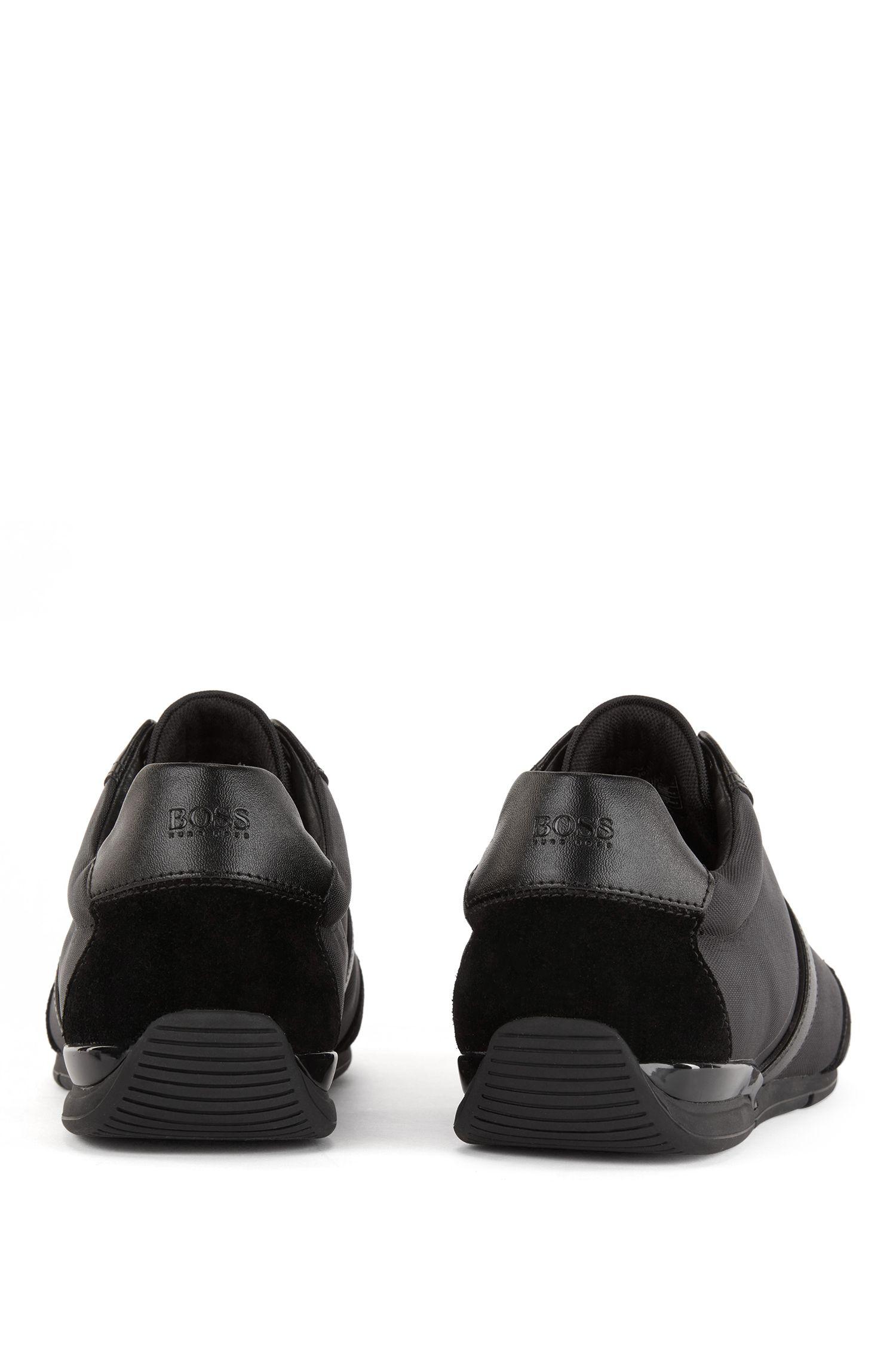 Hybrid-Sneakers mit feuchtigkeitsableitendem Innenfutter, Schwarz
