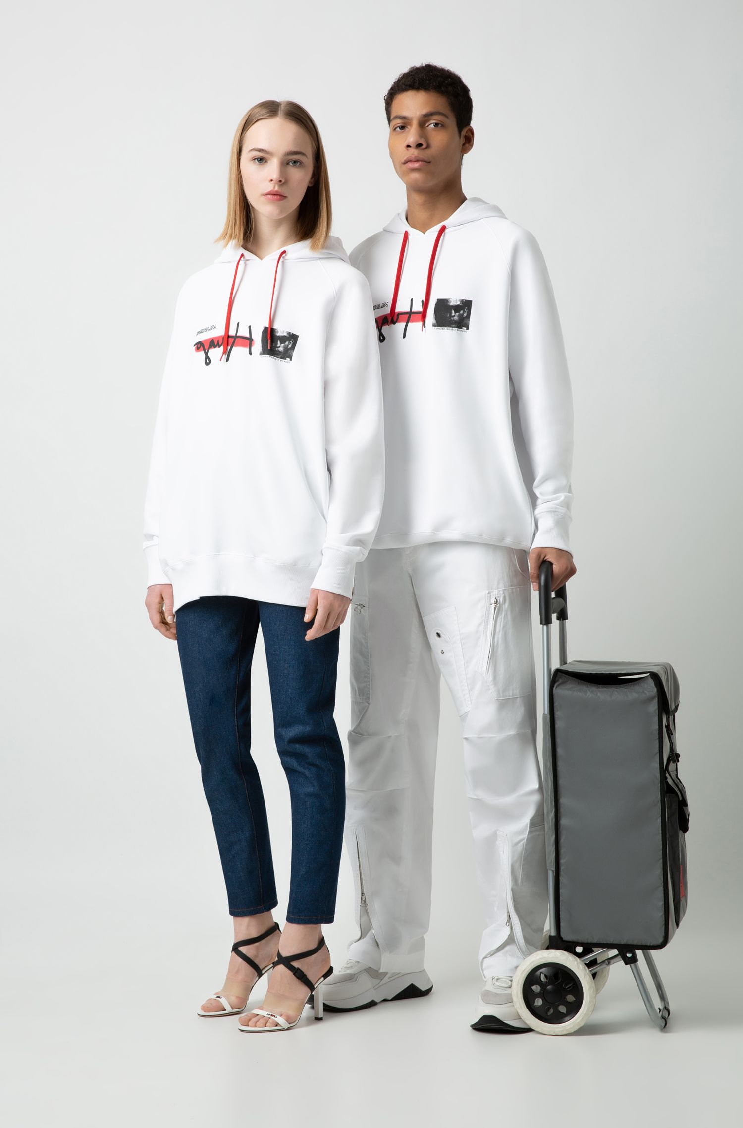 "Oversized Unisex-Sweatshirt mit Kapuze und ""Curated Project""-Print, Weiß"
