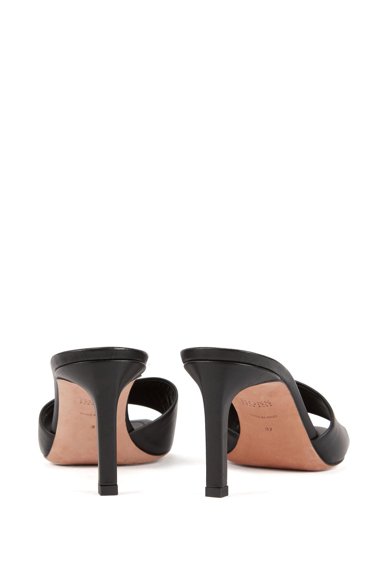Mules aus italienischem Leder mit offener Zehenpartie, Schwarz