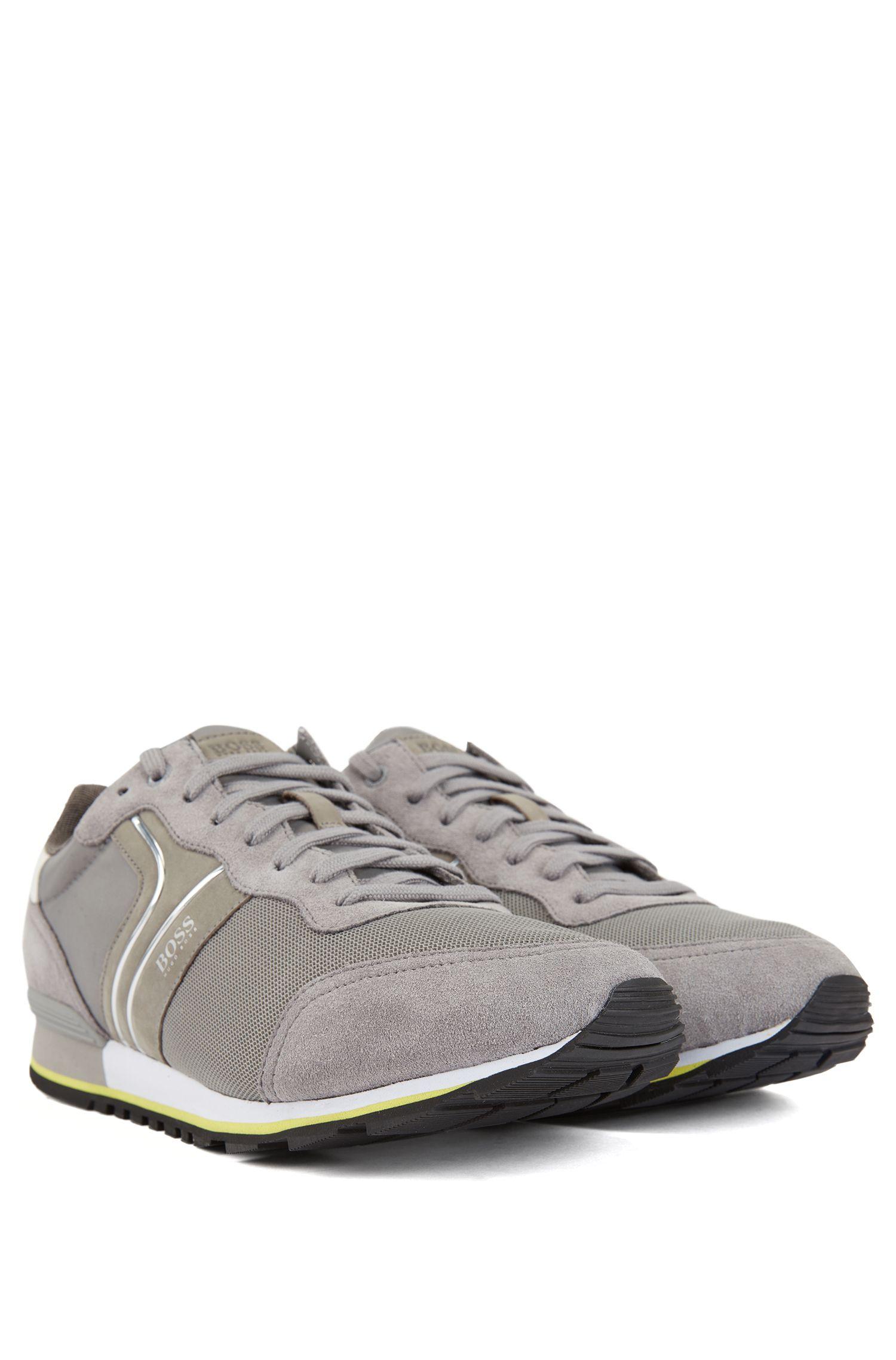 Deportivas híbridas inspiradas en las zapatillas de correr con forro de carbón de bambú, Gris