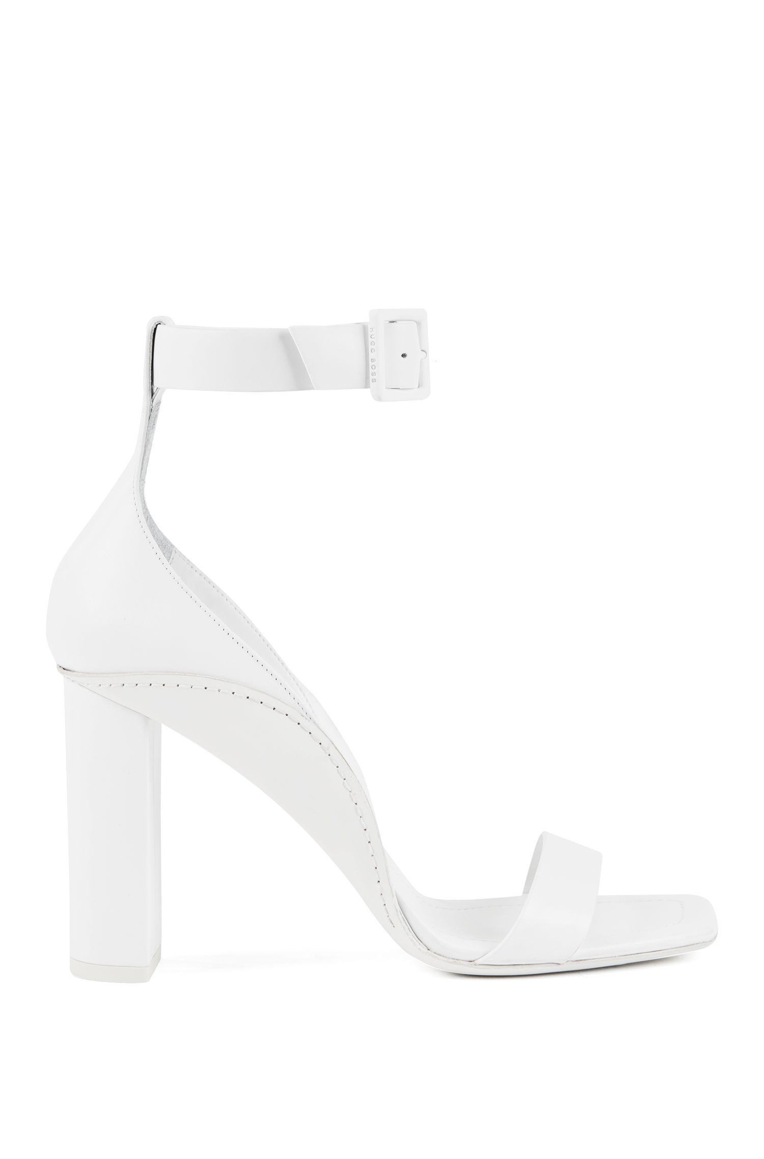 Sandalen aus italienischem Leder mit Blockabsatz und Fesselriemen, Weiß
