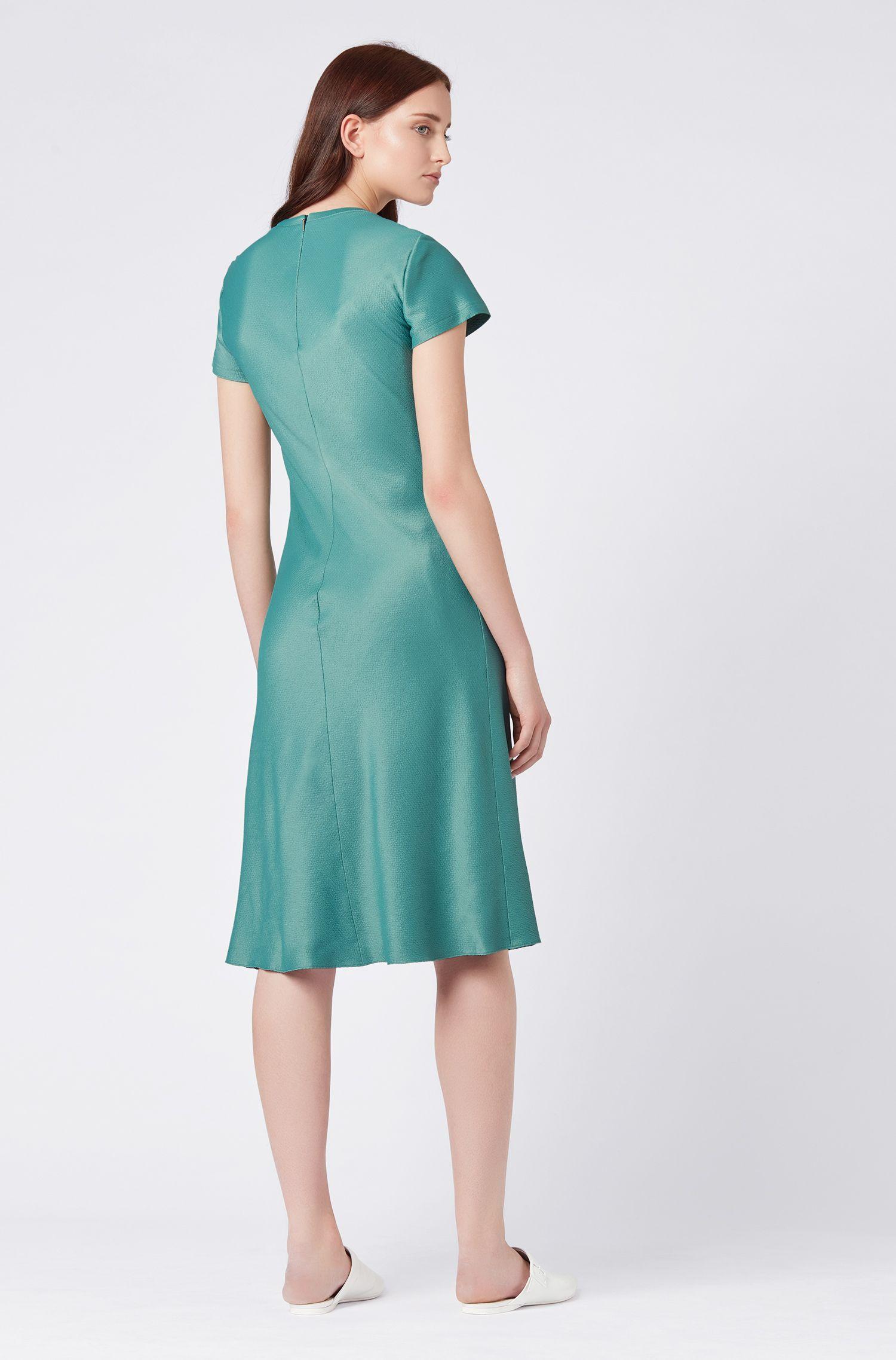 Kurzarm-Kleid in A-Linie aus französischem Seersucker, Grün