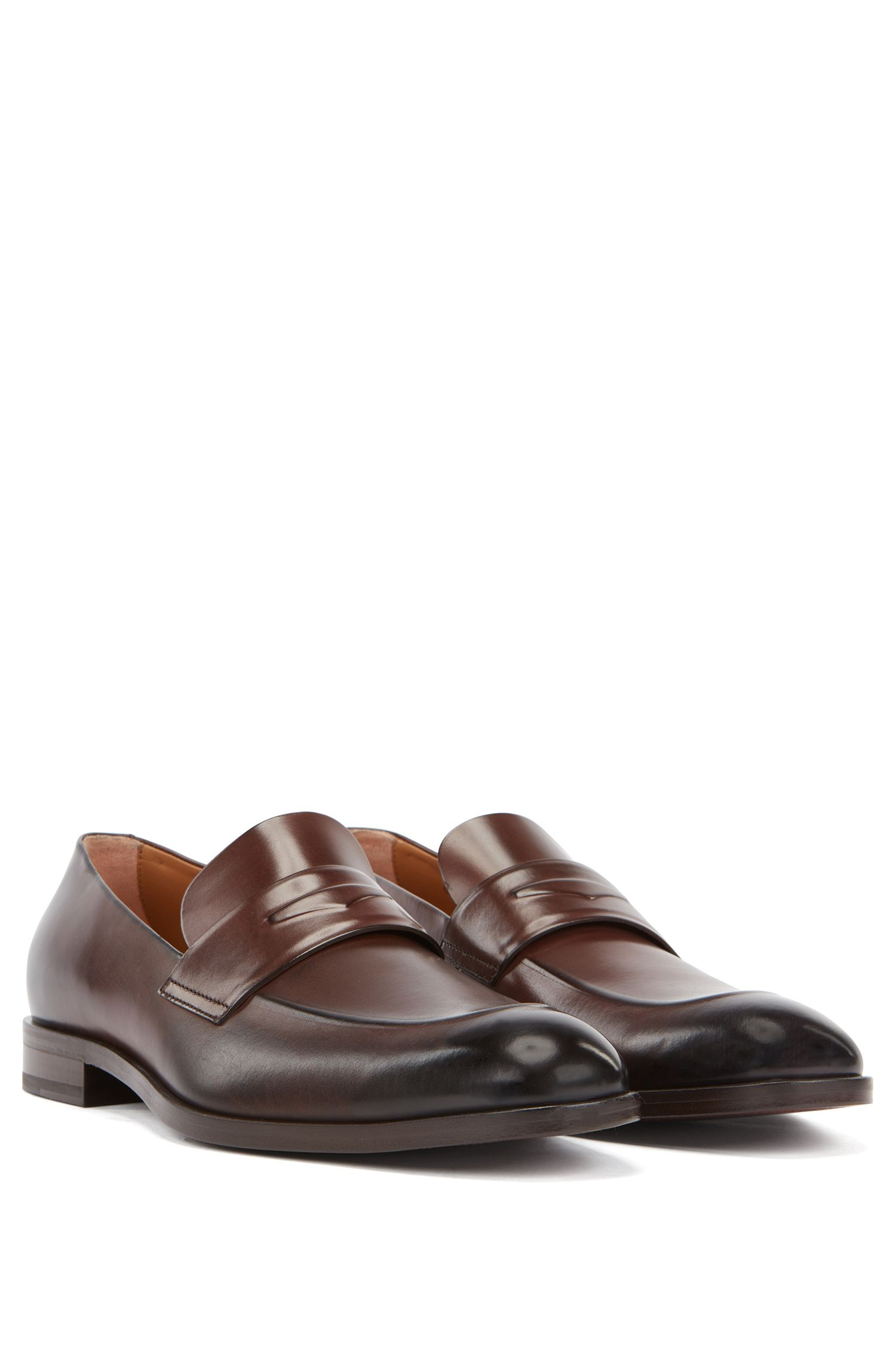 Italian-made loafers in polished vegetable-tanned leather, Dark Brown