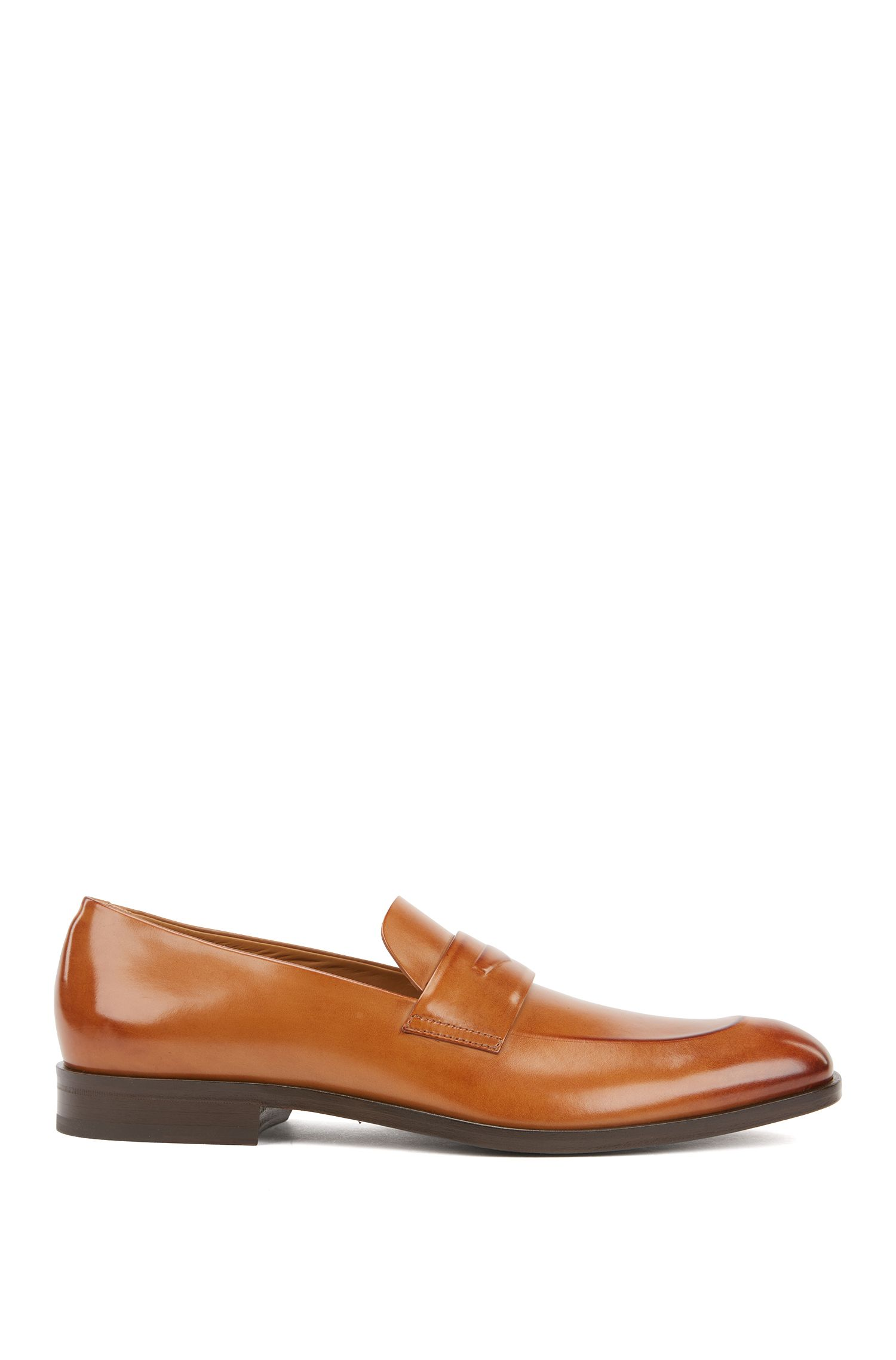 Italian-made loafers in polished vegetable-tanned leather, Brown