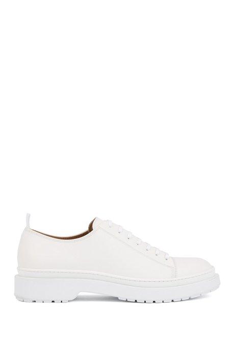 Zapatos Derby de piel lisa fabricados en Italia con un diseño casual, Blanco
