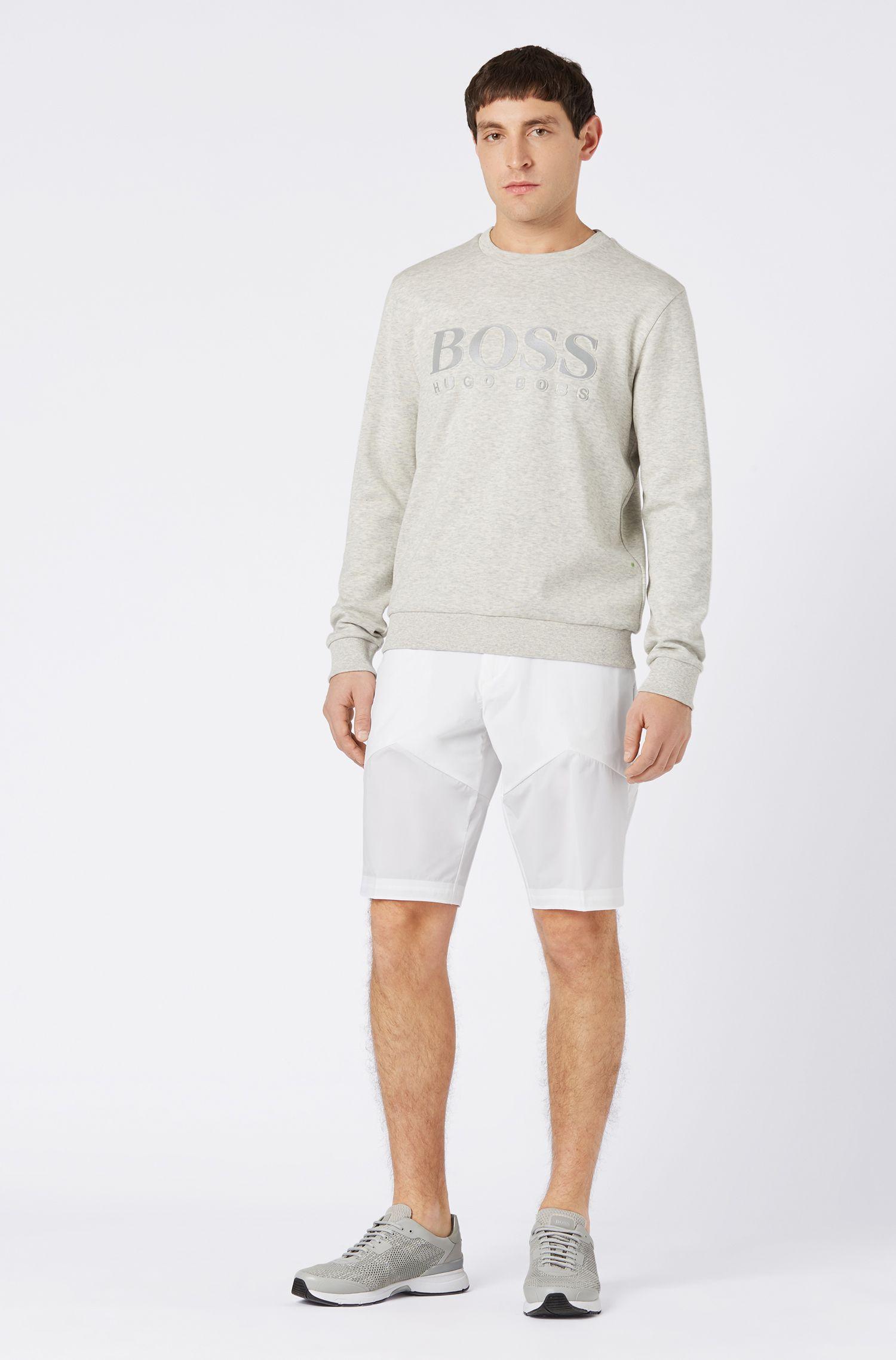 Multifunktionale Slim-Fit Shorts aus leichtem Stretch-Gewebe, Weiß