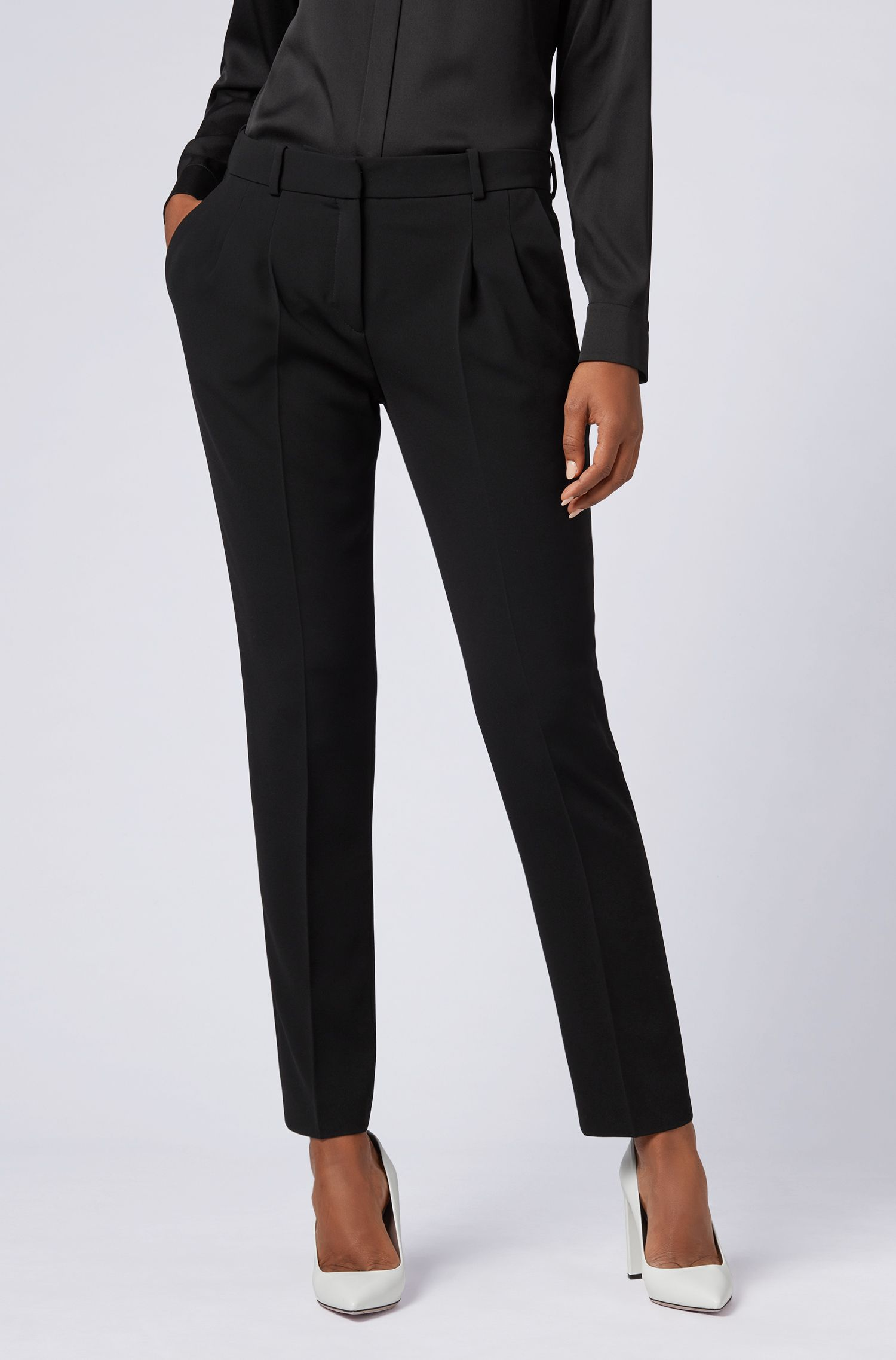 Pantalon Regular Fit en crêpe infroissable, Noir