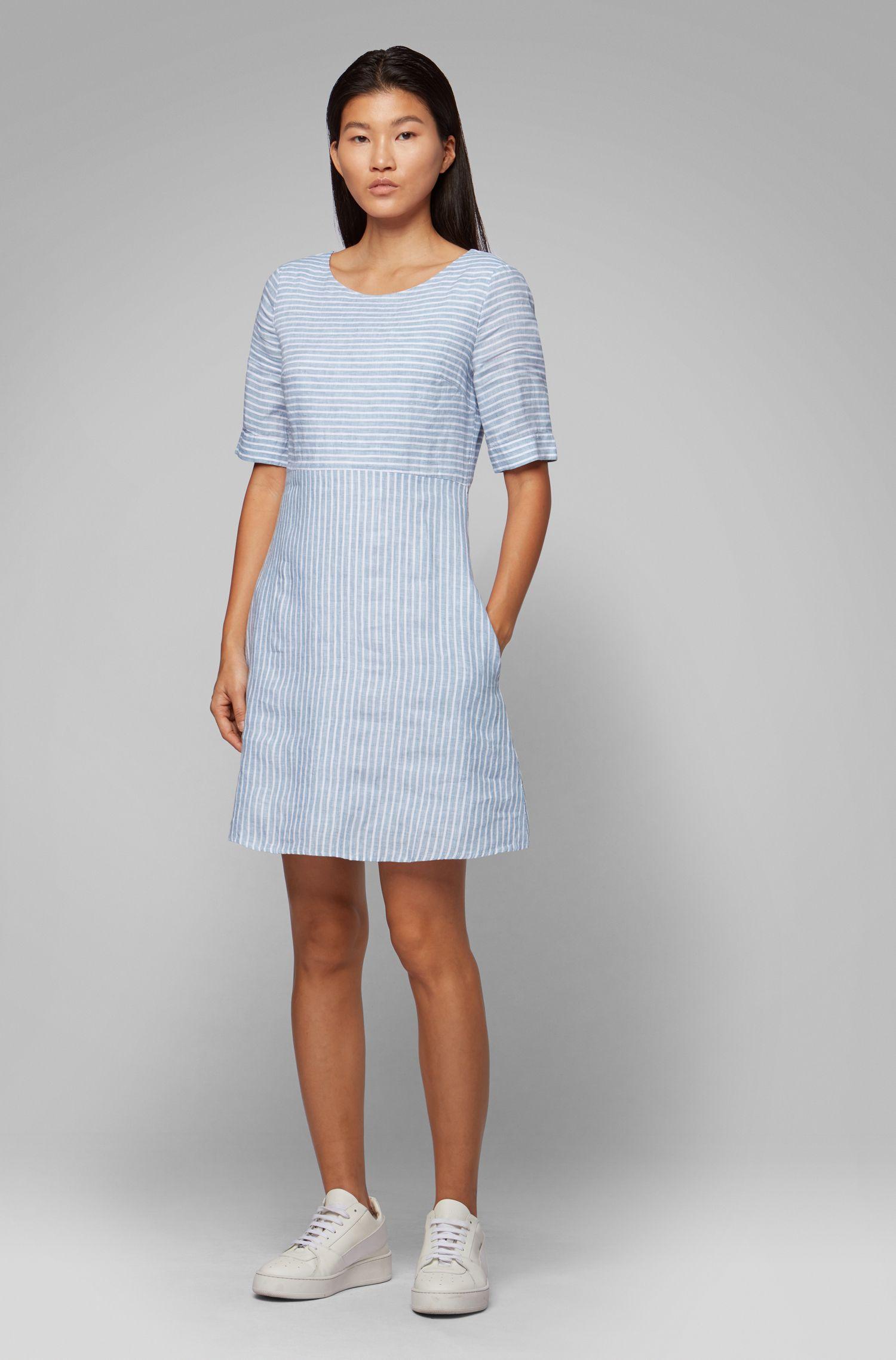 Gestreiftes Slim-Fit Kleid aus Leinen-Canvas, Blau