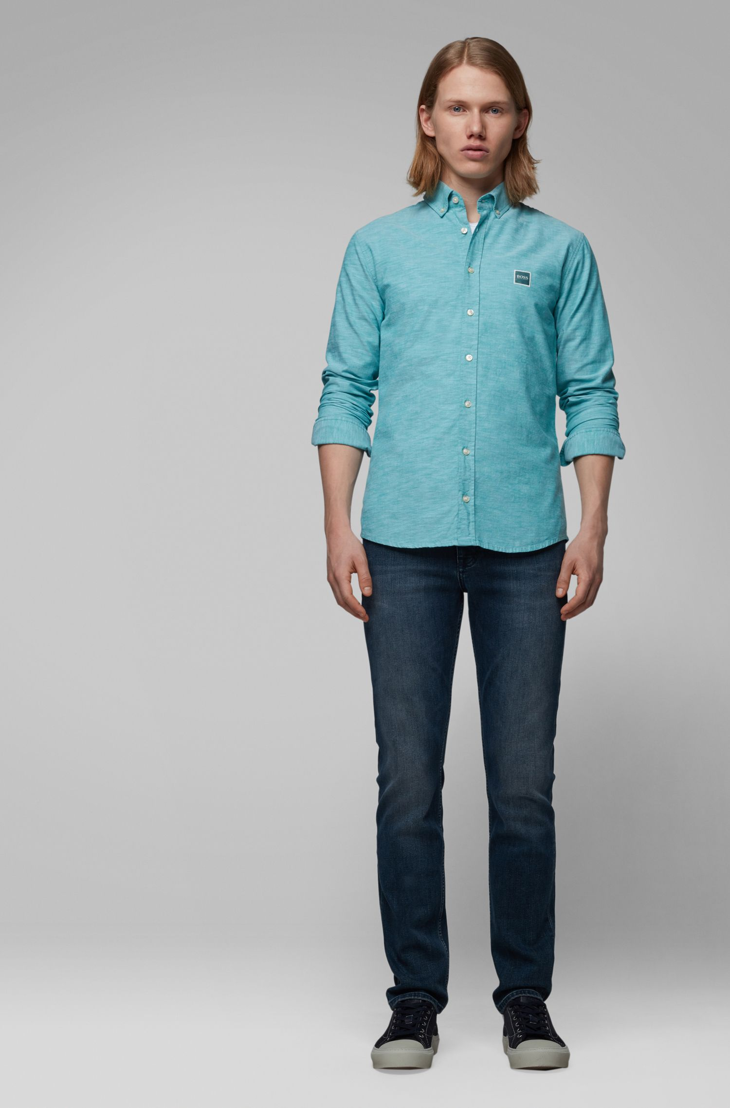 Slim-fit shirt in Oxford cotton with logo patch, Green