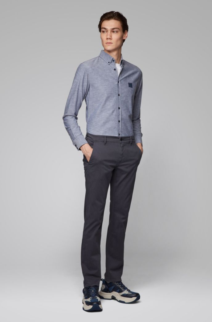 Slim-fit shirt in Oxford cotton with logo patch