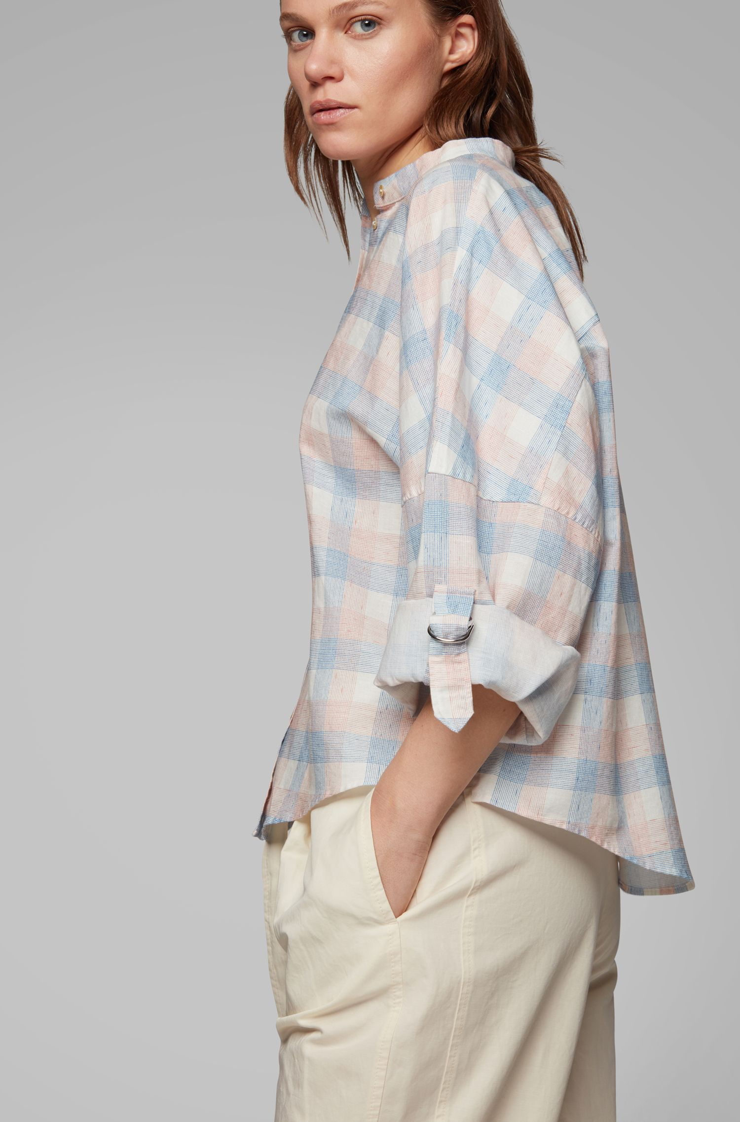 Oversized-fit check-print blouse in linen with cotton, Blue
