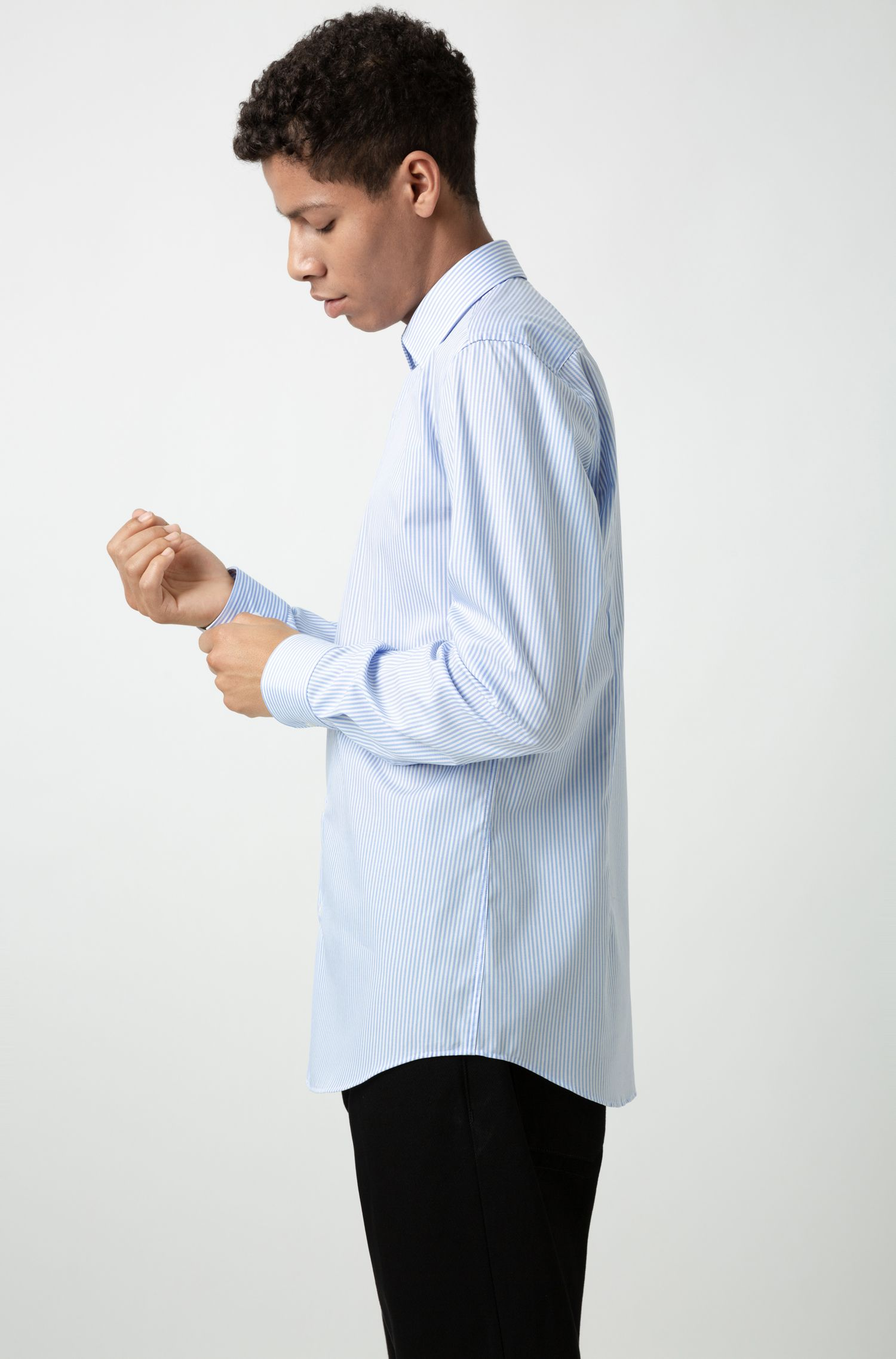 Camicia slim fit in cotone a righe facile da stirare, A disegni