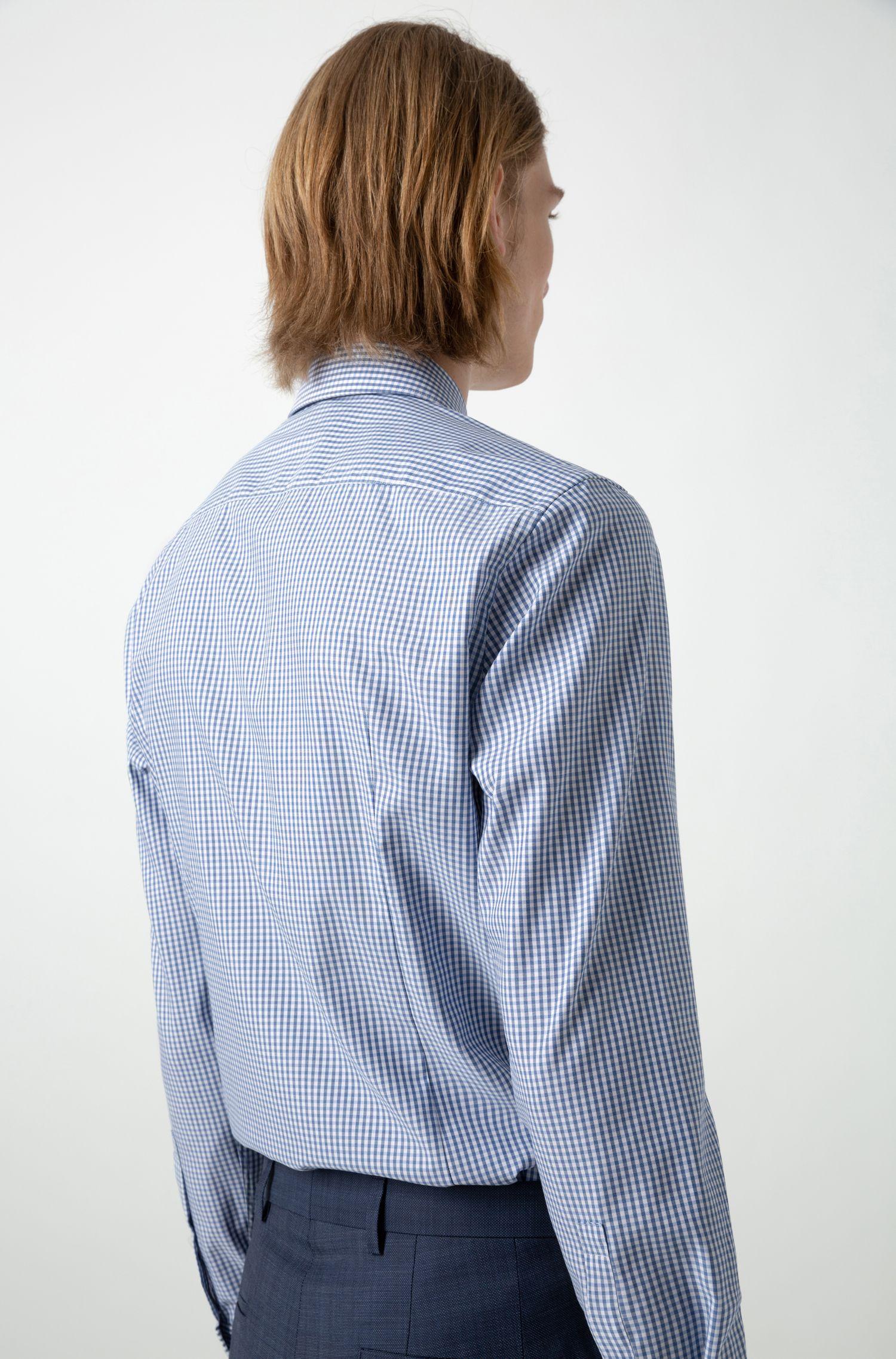 Kariertes Slim-Fit Hemd aus bügelleichter Baumwolle, Gemustert