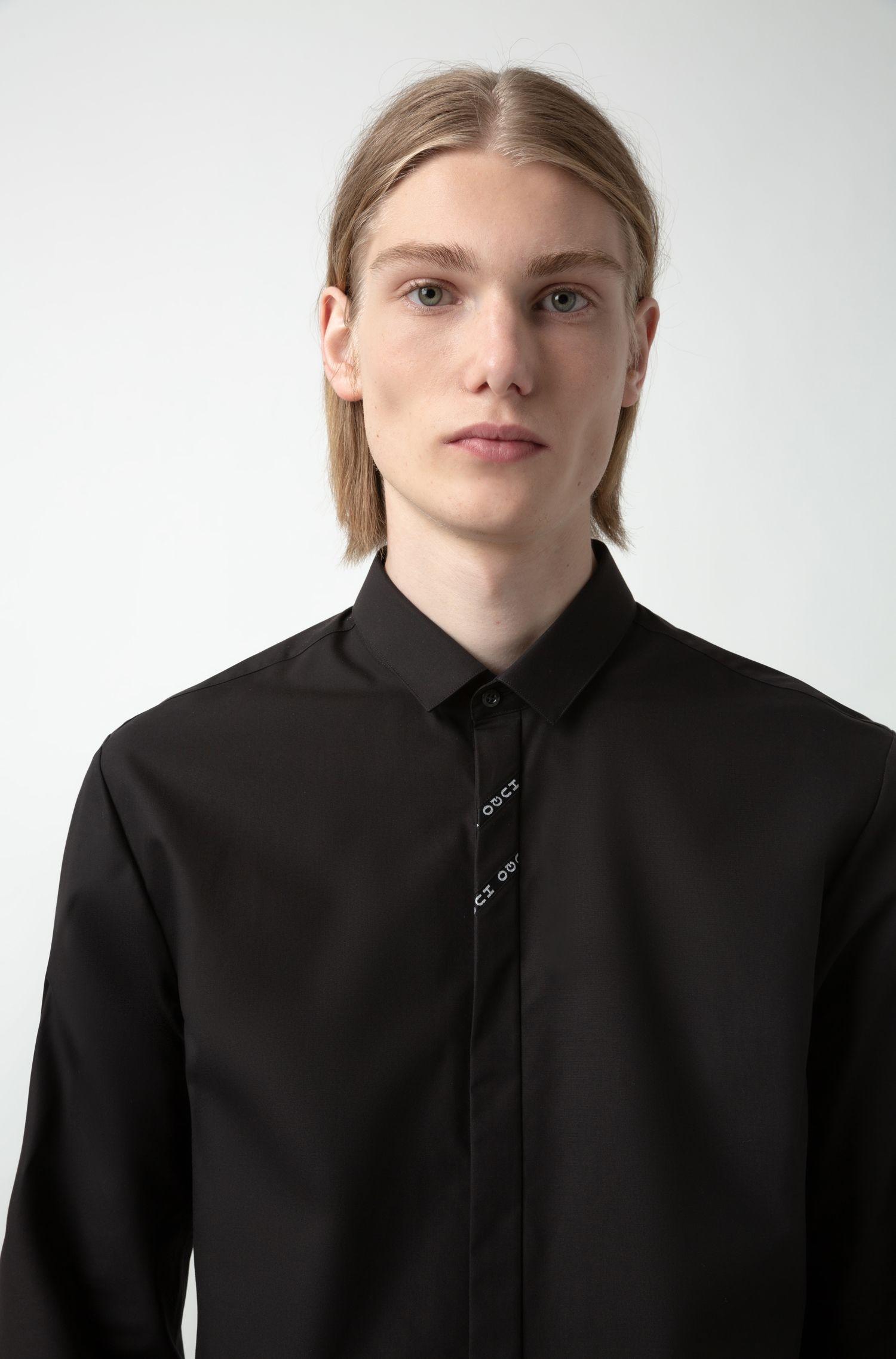 Extra slim-fit overhemd met biesdetail met gespiegeld logo, Zwart