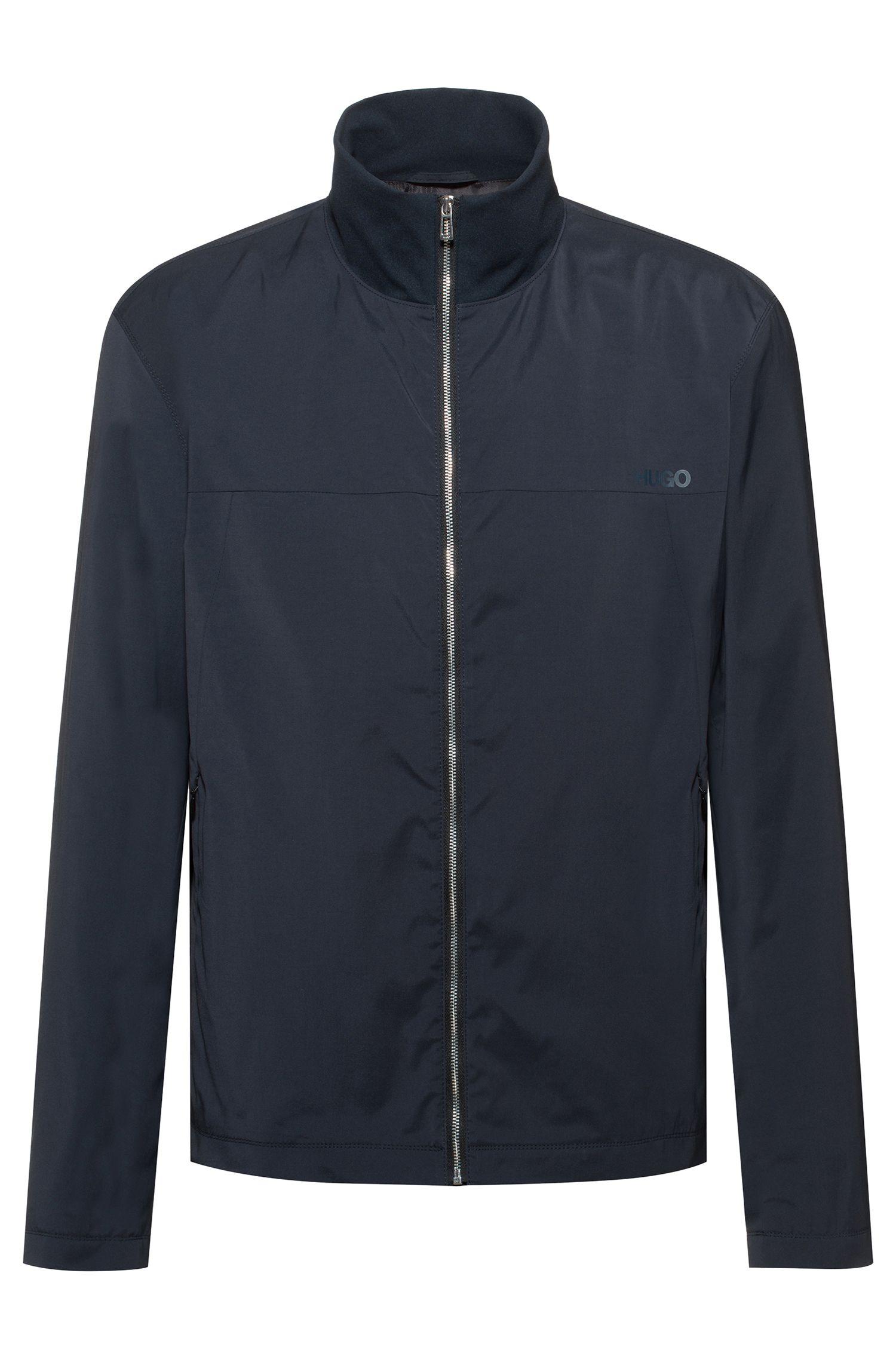 Wasserabweisende Slim-Fit Jacke mit Reversed-Logo-Print, Dunkelblau