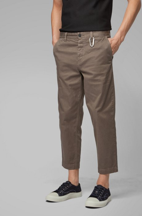 Tapered-Fit Hose in Cropped-Länge mit Karabinerhaken, Khaki