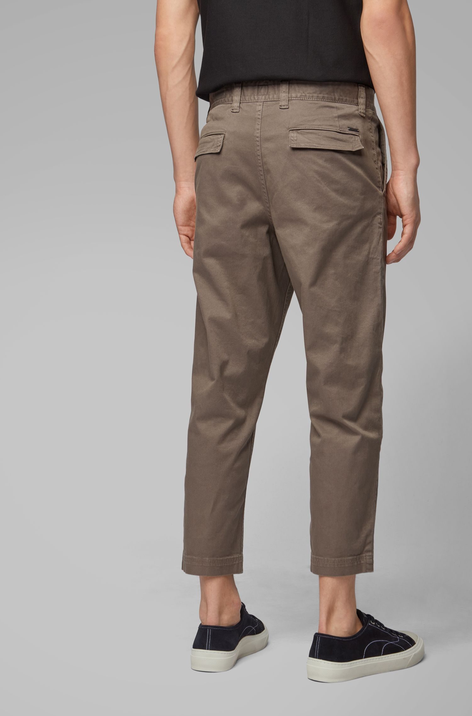 Tapered-fit cropped trousers with carabiner detail, Khaki