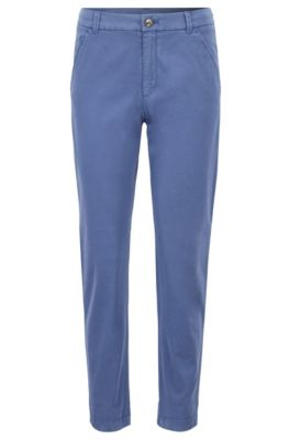 Chino Regular Fit court en coton stretch satiné, Bleu