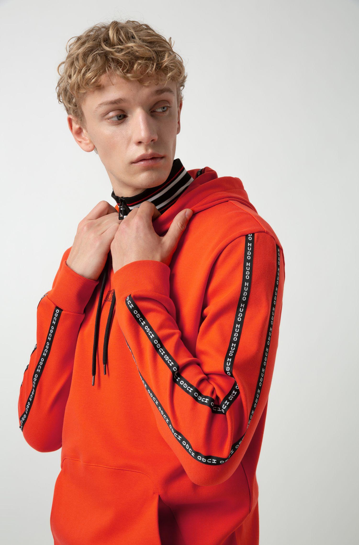 Sweat à capuche en coton interlock avec ruban à logo sur les manches, Orange foncé