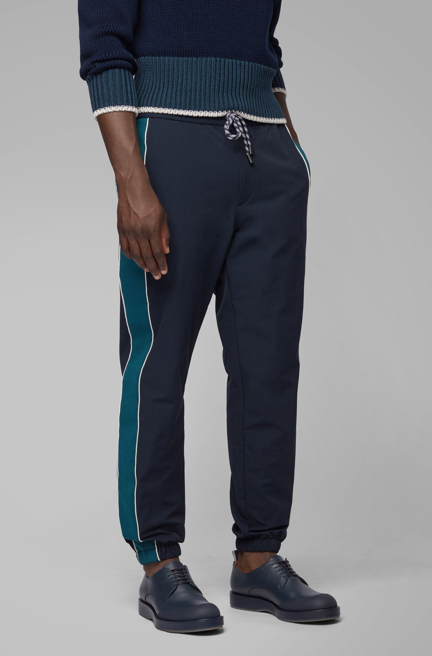 Relaxed-fit joggingbroek van bi-stretchmateriaal, Donkerblauw