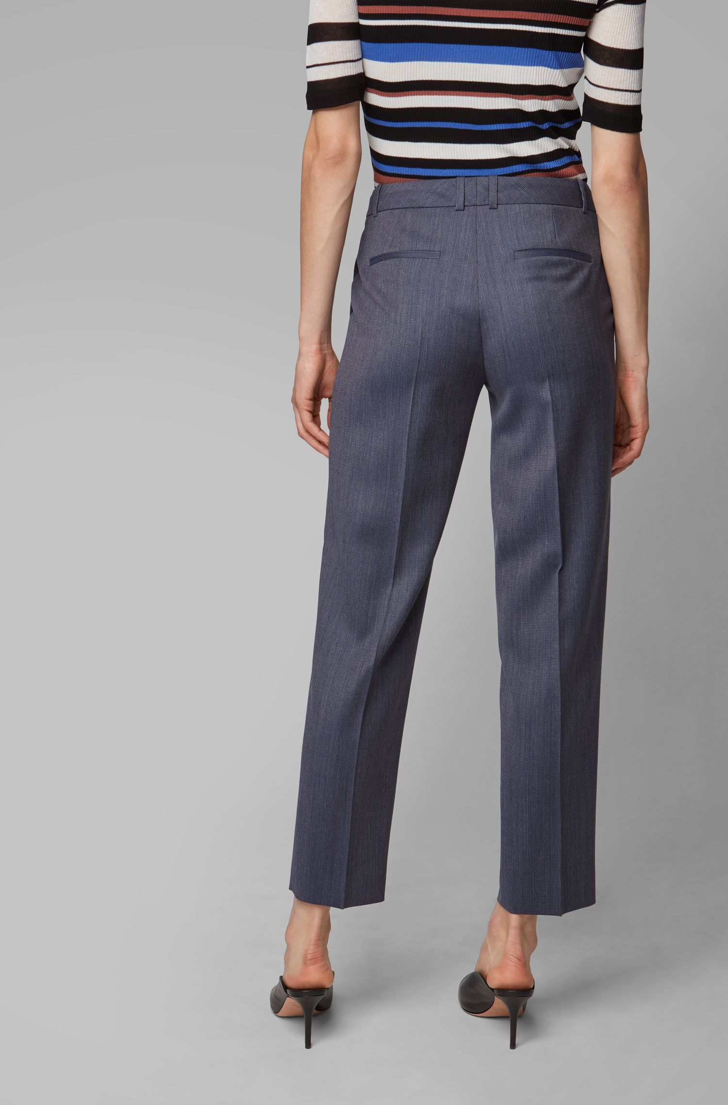Pantaloni relaxed fit in lana vergine italiana con micromotivo, A disegni