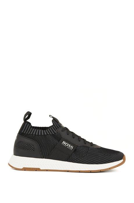 Deportivas estilo zapatillas de correr con cordones y empeines de punto, Negro