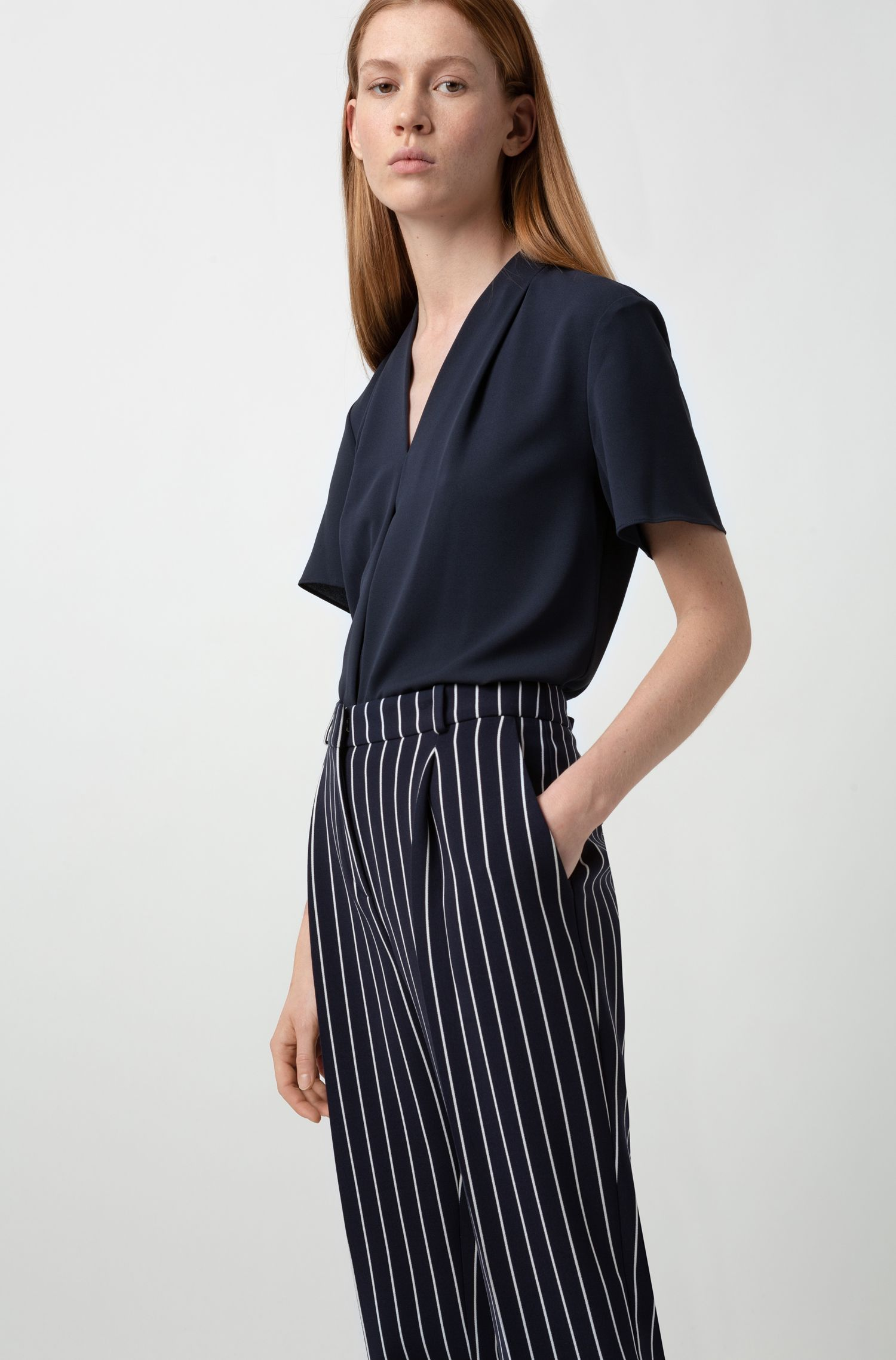 V-neck top in crinkle crepe with pleated front, Dark Blue