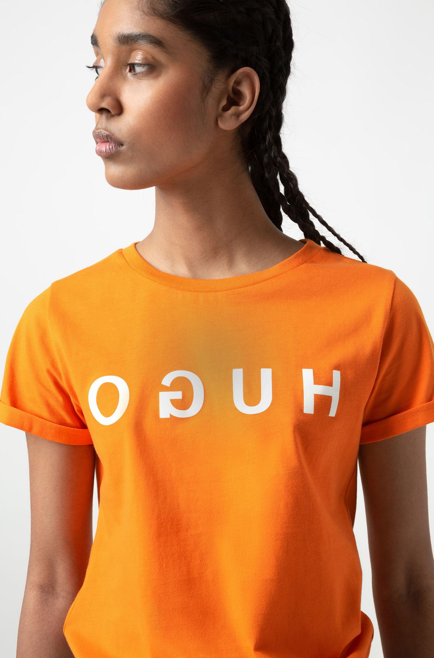 T-shirt van jersey met gespiegeld logo en omgeslagen mouwen, Oranje