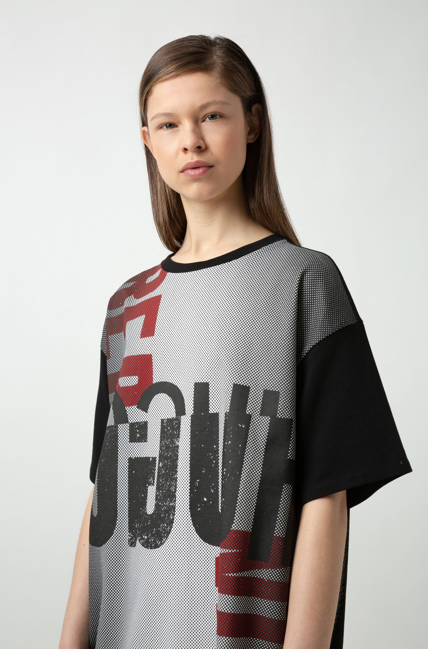Robe t-shirt Oversized Fit à motif artistique berlinois, Noir