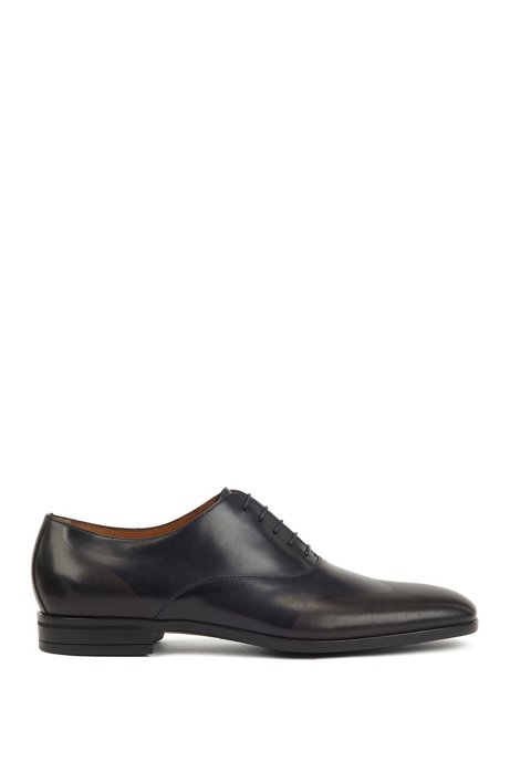 Oxford shoes in burnished leather with laser-cut panels, Dark Blue