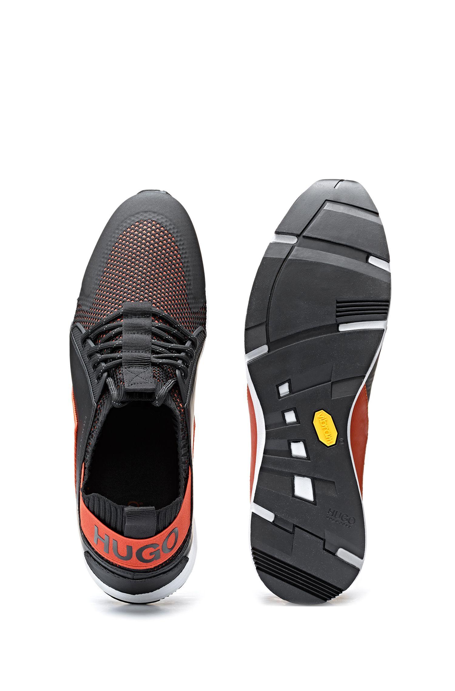 Hybrid-Sneakers im Colour-Block-Design mit Stricksocke, Schwarz