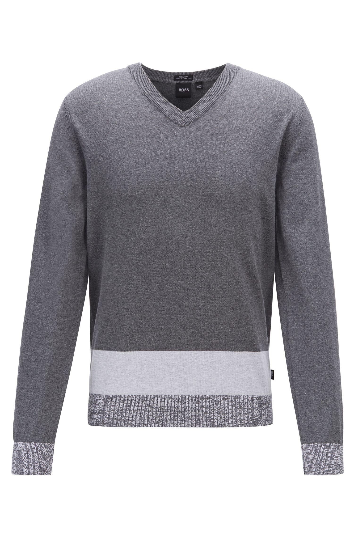 Pullover aus italienischer Pima-Baumwolle mit V-Ausschnitt und Colour-Block-Saum, Grau