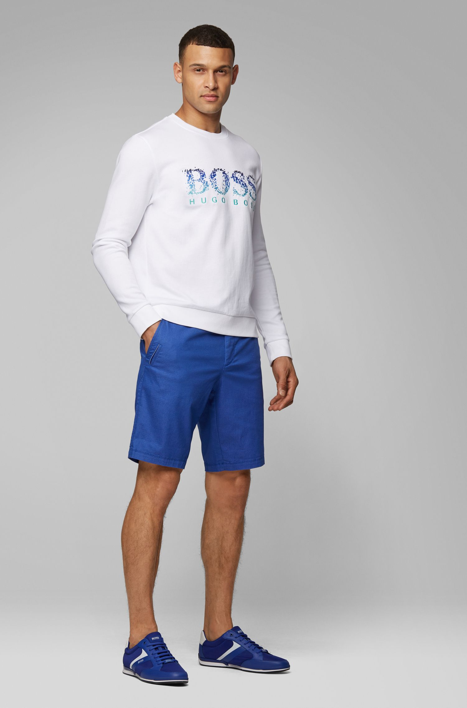 Slim-fit shorts in Italian cotton with travel pocket, Blue