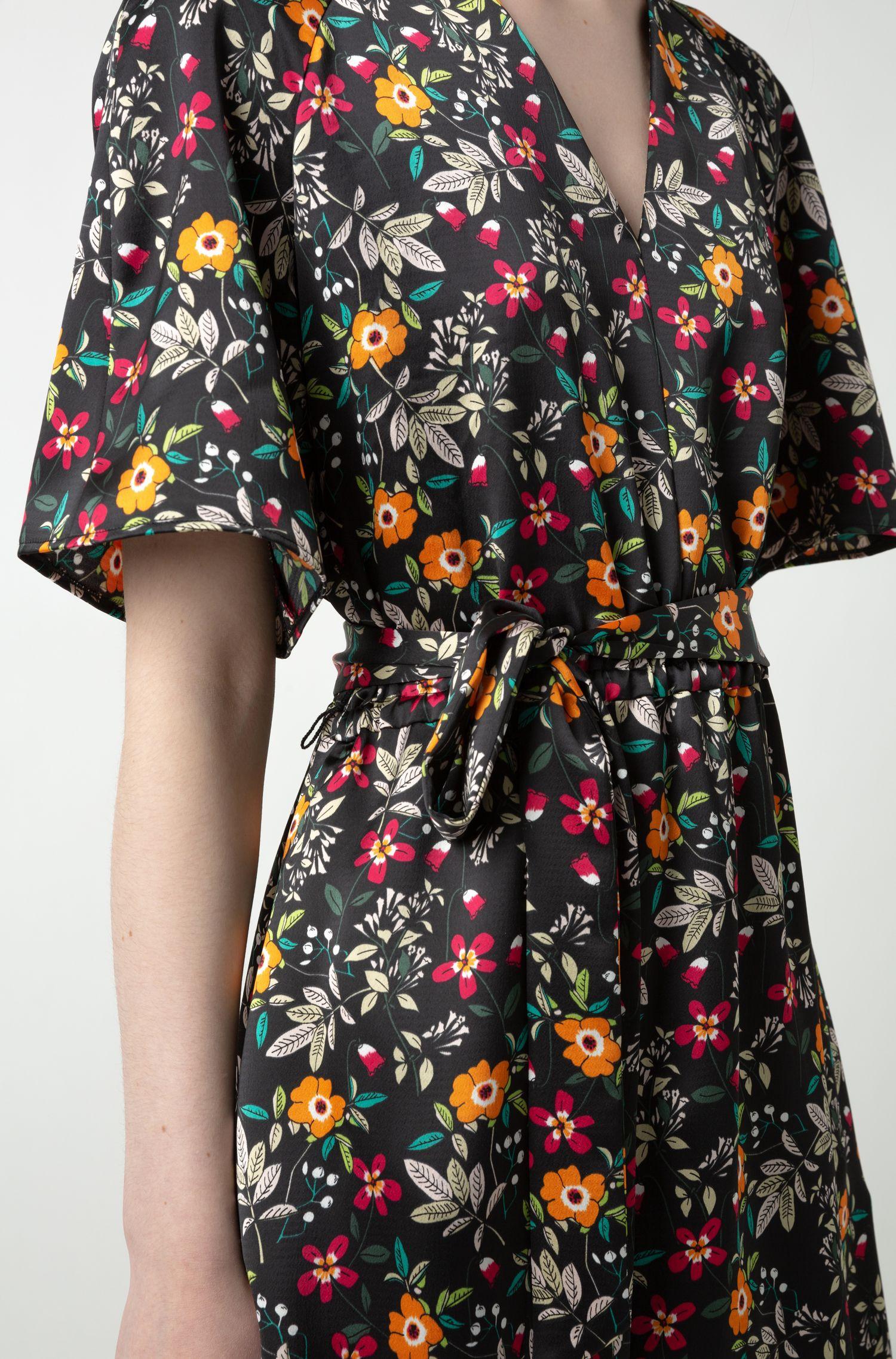 Floral-print V-neck dress with tie belt, Patterned