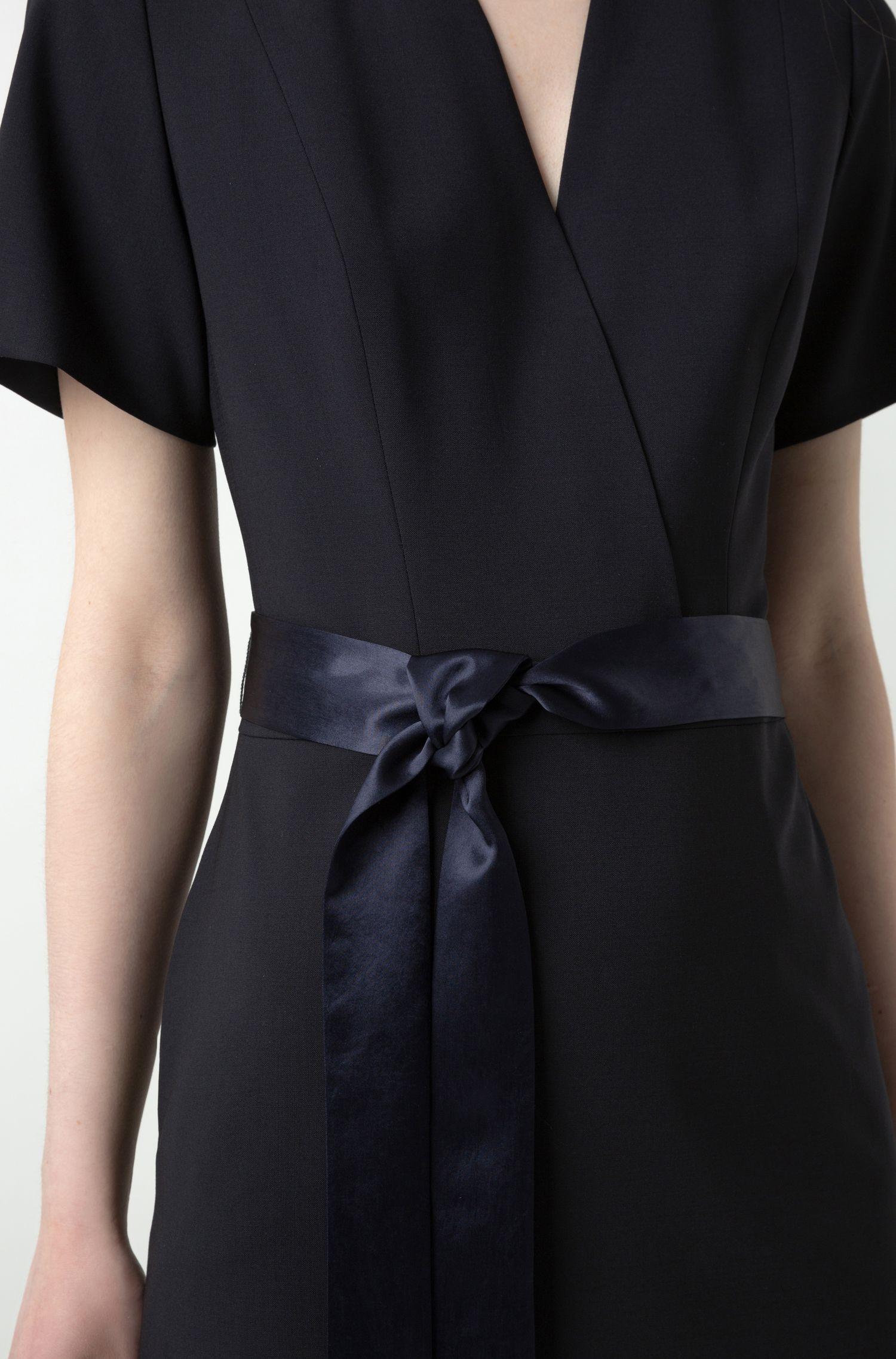 V-neck dress in crease-resistant stretch virgin wool, Dark Blue